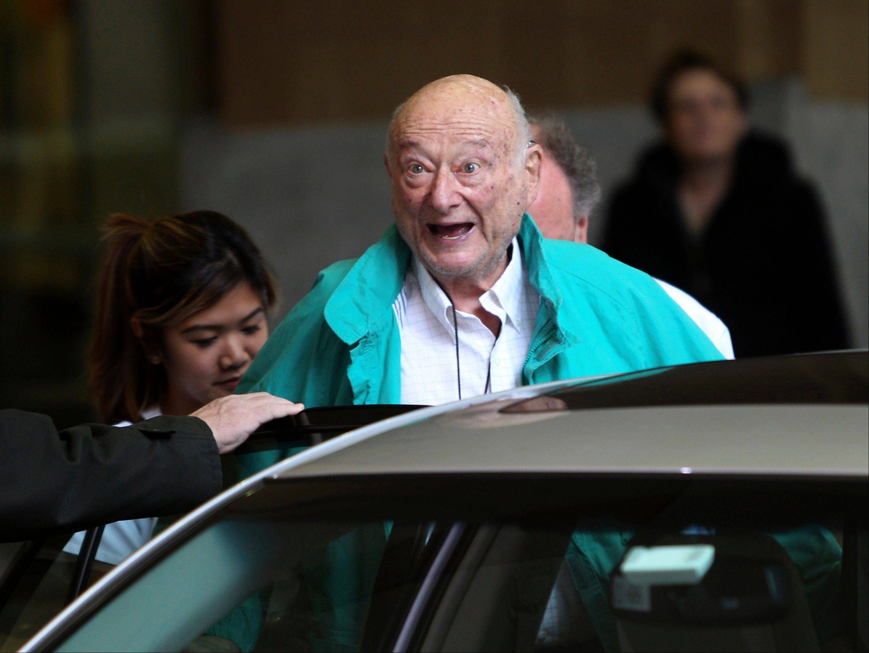Former New York City Mayor Ed Koch, who died Friday from congestive heart failure, will be honored at his funeral today by former President Bill Clinton.