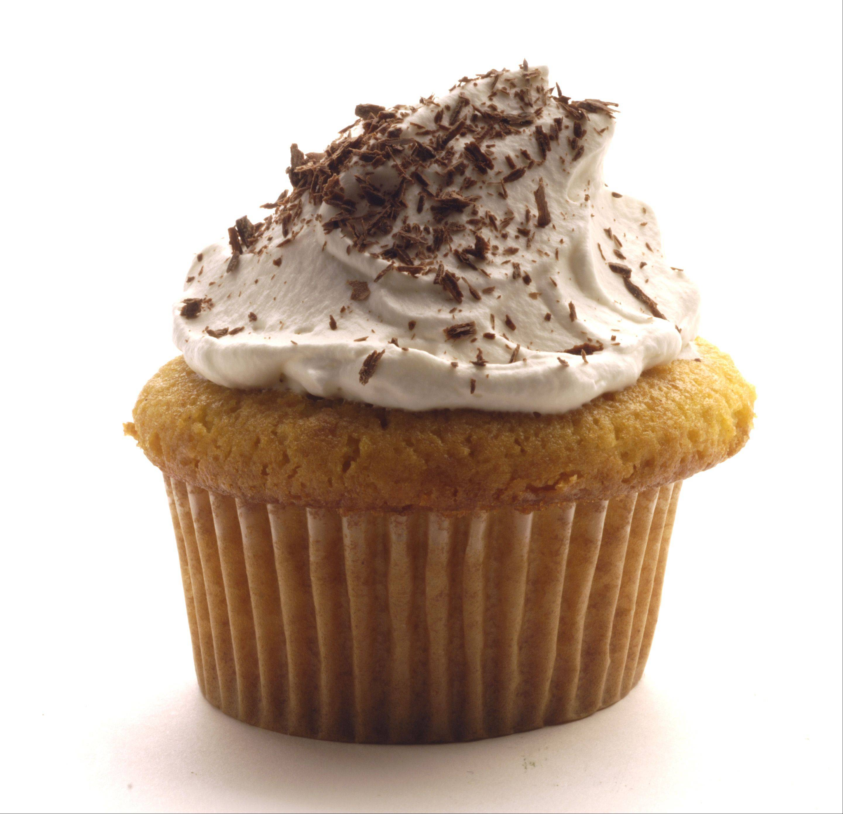Learn how to decorate cupcakes and cakes at McHenry County College.