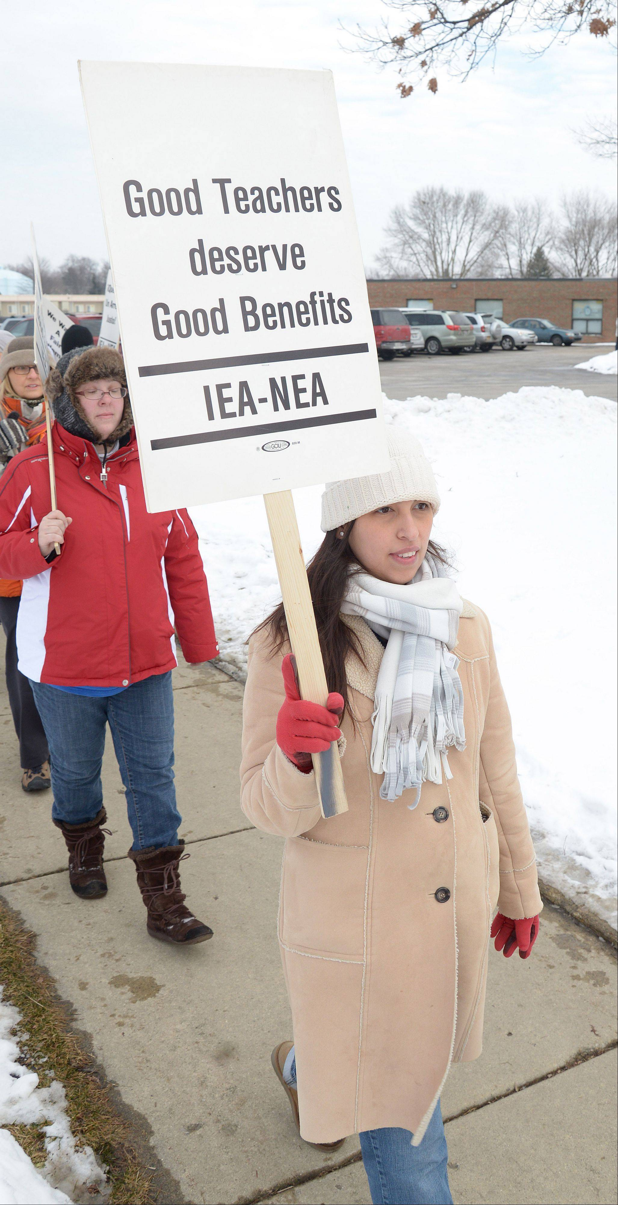 Teachers continued to walk picket lines Wednesday at Gary Elementary School in West Chicago, as negotiating teams for the union and school board returned to the bargaining table for the fifth time in nine days.