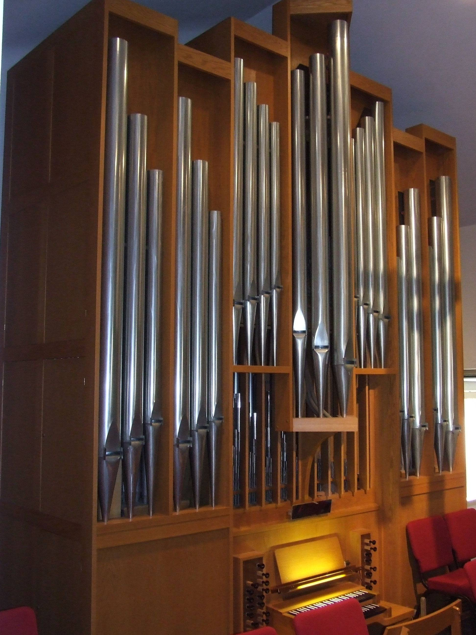 This is the 2 manual Zimmer tracker pipe organ at First Presbyterian Church, Elgin.