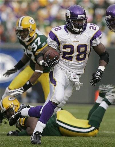 Minnesota Vikings running back Adrian Peterson had surgery on Thursday to repair a sports hernia in his abdomen, an injury that bothered him for much of the last month of the season while he came up just 8 yards short of Eric Dickerson's single-season rushing record.
