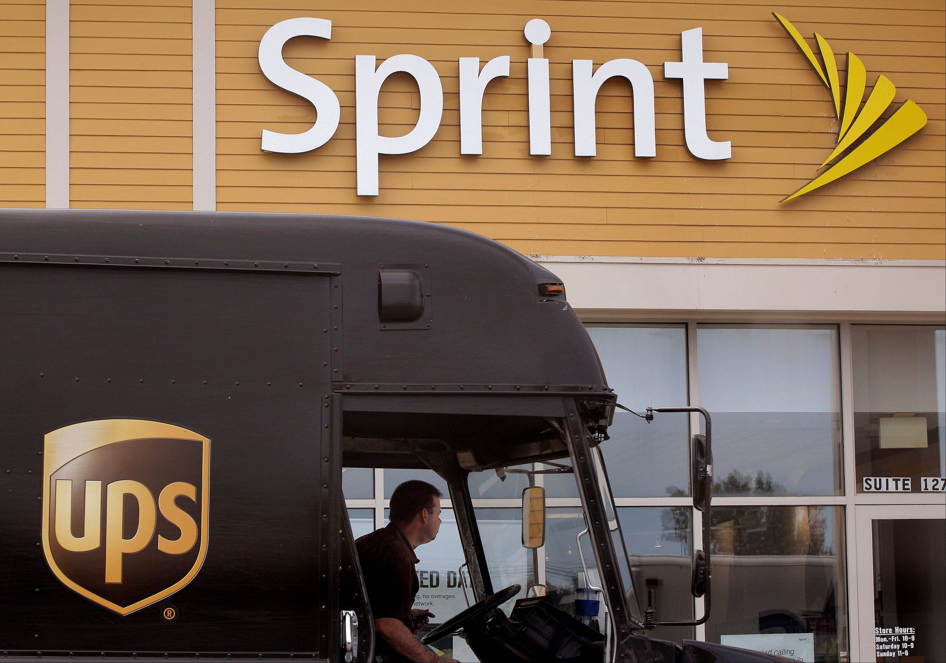 Sprint Nextel Corp., the country's third largest wireless carrier, on Thursday said it lost $1.3 billion in its fourth quarter, about the same as a year ago, as it revamped its network for a comeback versus bigger competitors.