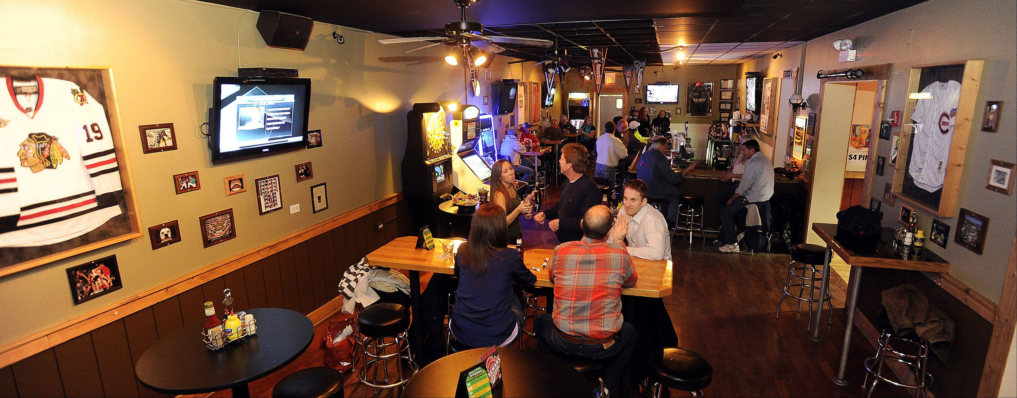 TJ O'Brien's Bar and Grill in Palatine serves up bar favorites like burgers and pizza as well as Irish specialities.