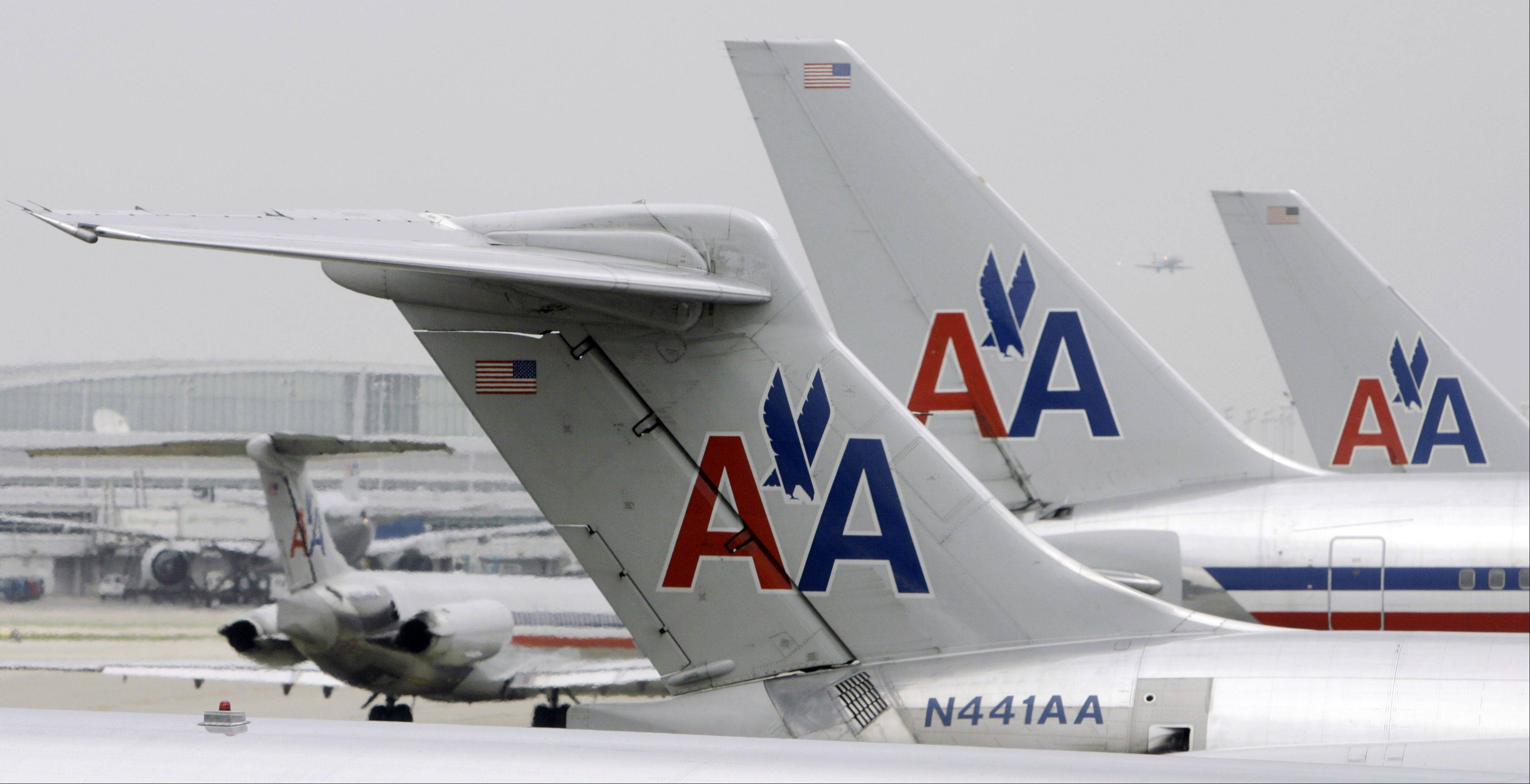 Merger talks between American Airlines and US Airways have heated up again, according to a report in the Wall Street Journal on Monday.