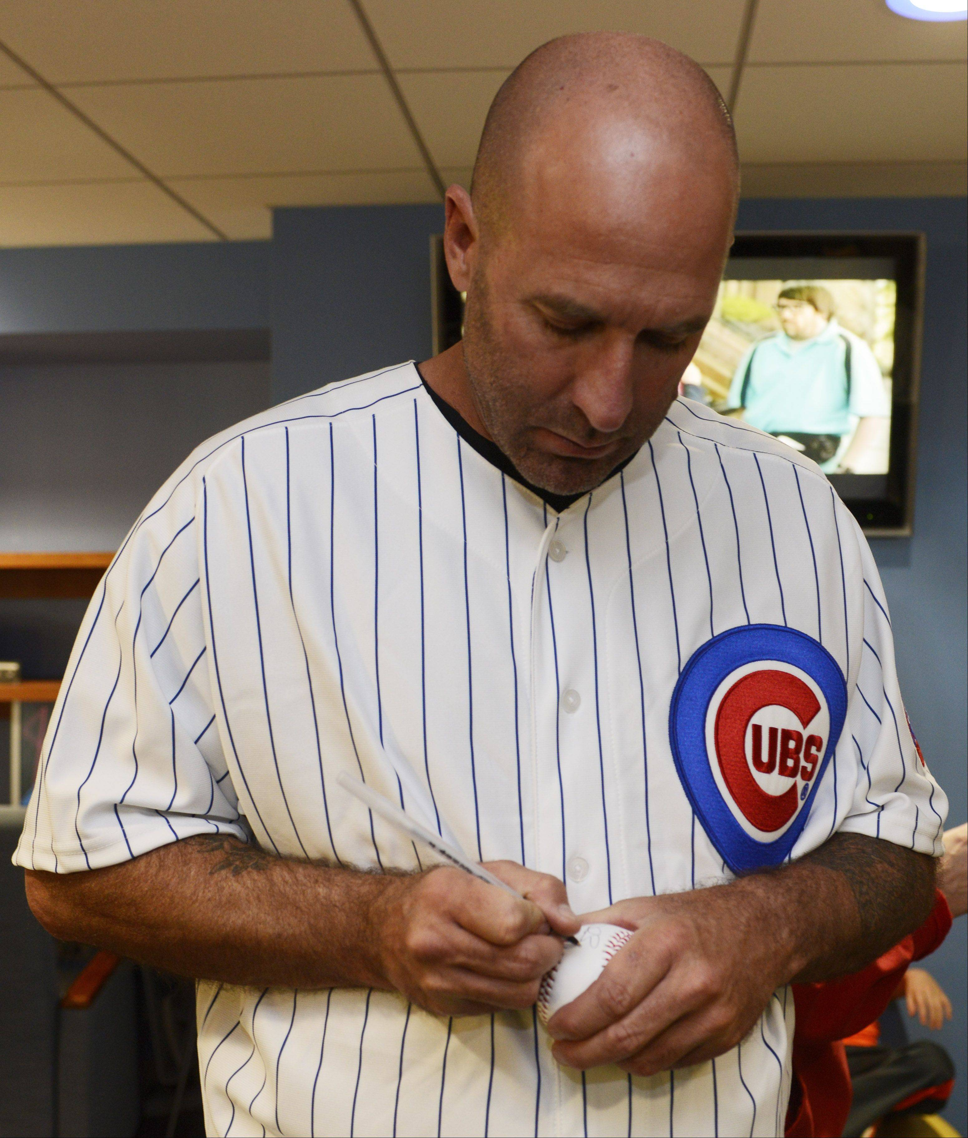Cubs manager Dale Sveum is looking for his team to compete at a higher level this season.