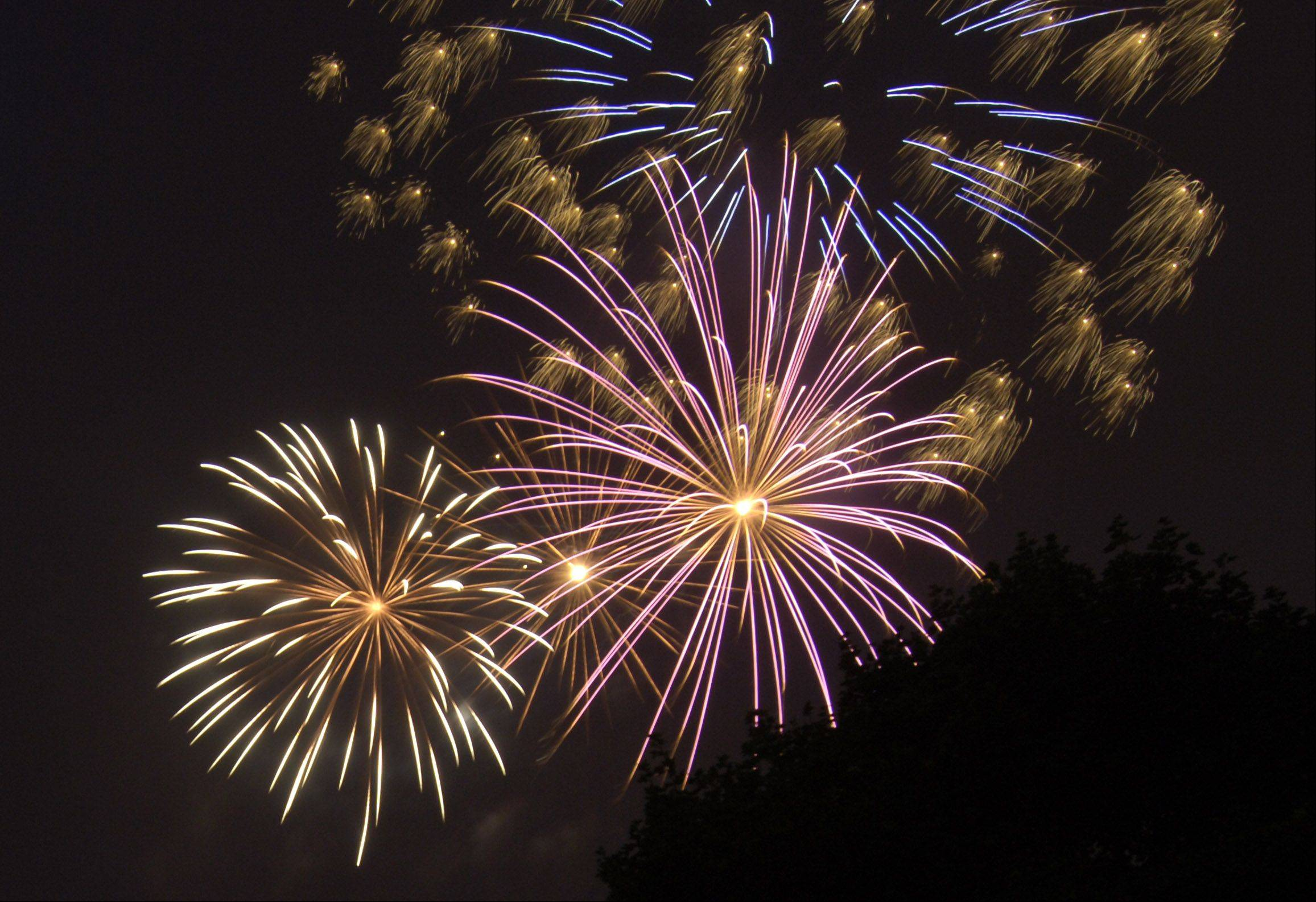 Hoffman Estates closer to choosing fireworks provider