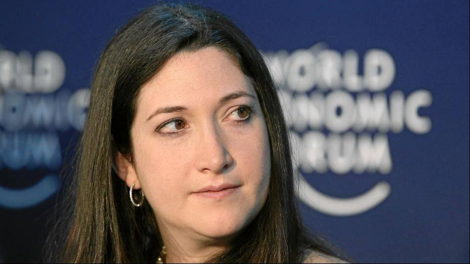 Facebook CEO's sis Randi Zuckerberg has book deal