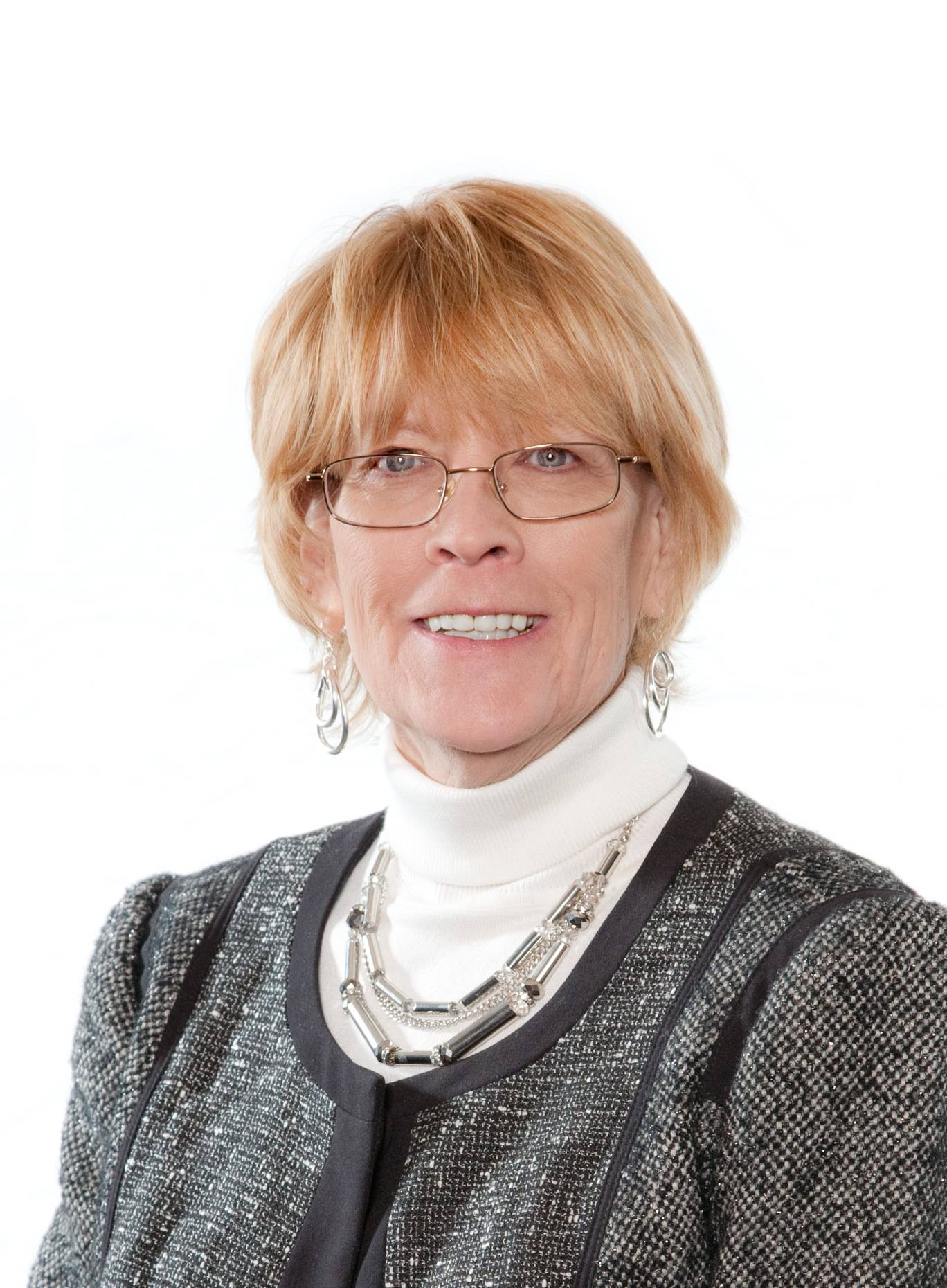 Joyce Hundhausen, running for Bloomingdale Township Board (4-year Terms)