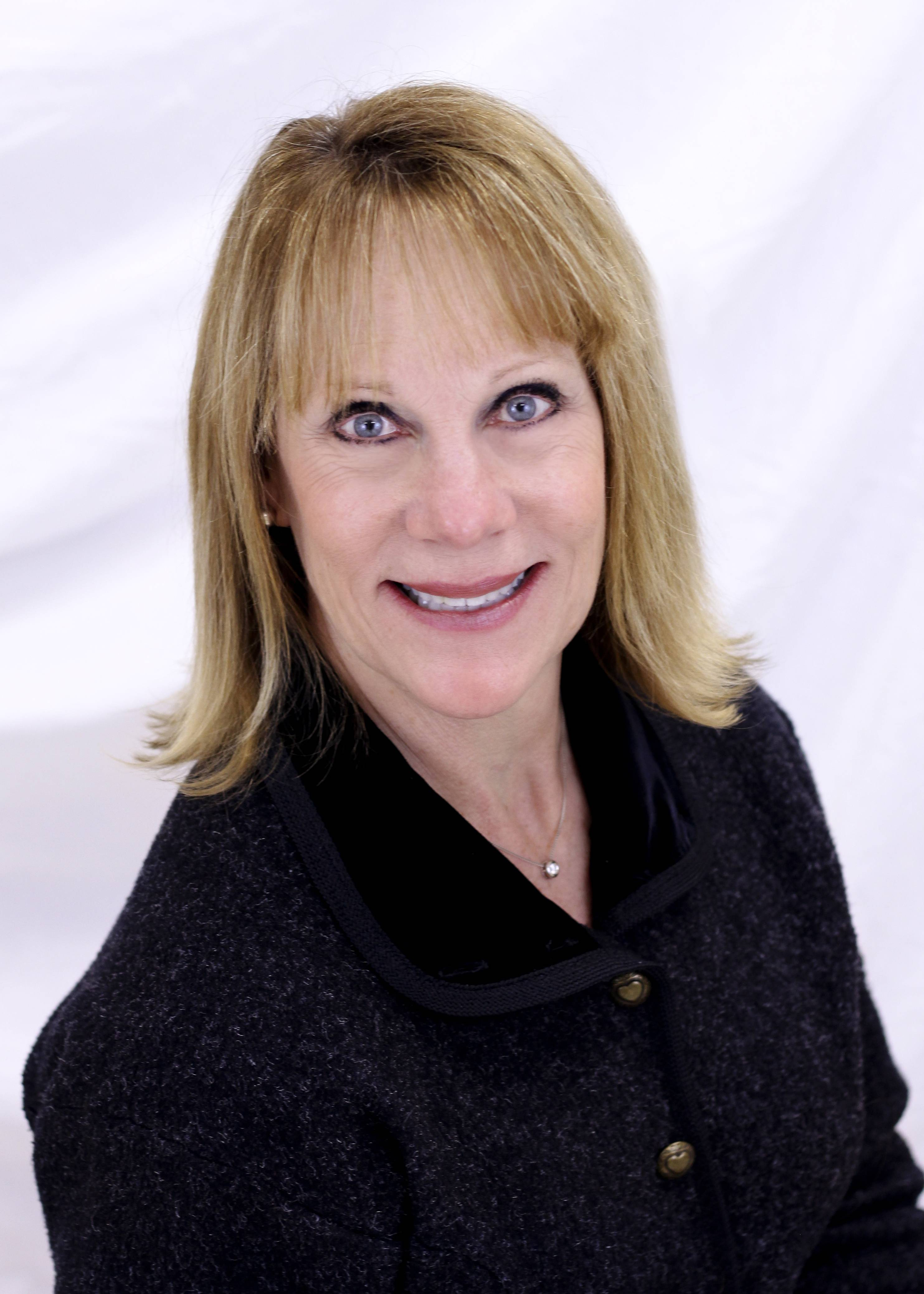 Gayle Vandenbergh, running for Hoffman Estates Village Board (4-year Terms)