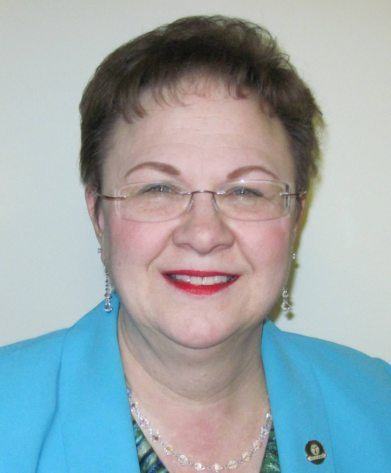 Gloria Ludwig, running for Des Plaines Clerk (4-year Term)