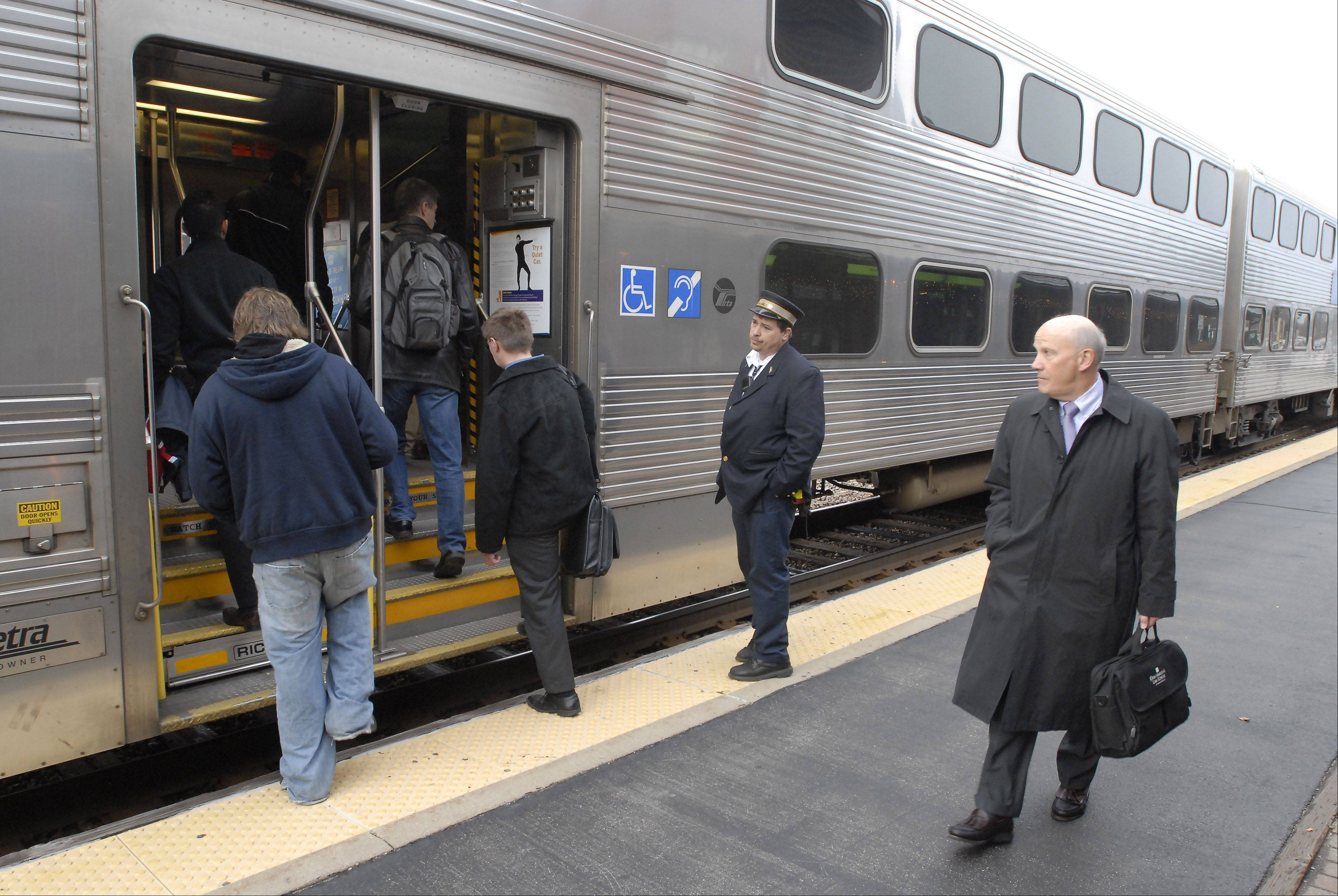Marketing pitch urges commuters to 'Choose Metra'