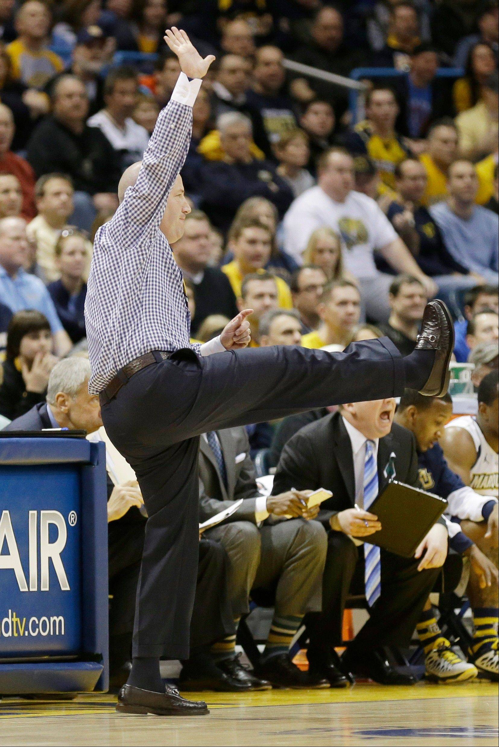 Marquette head coach Buzz Williams reacts Saturday against Pittsburgh during the first half.