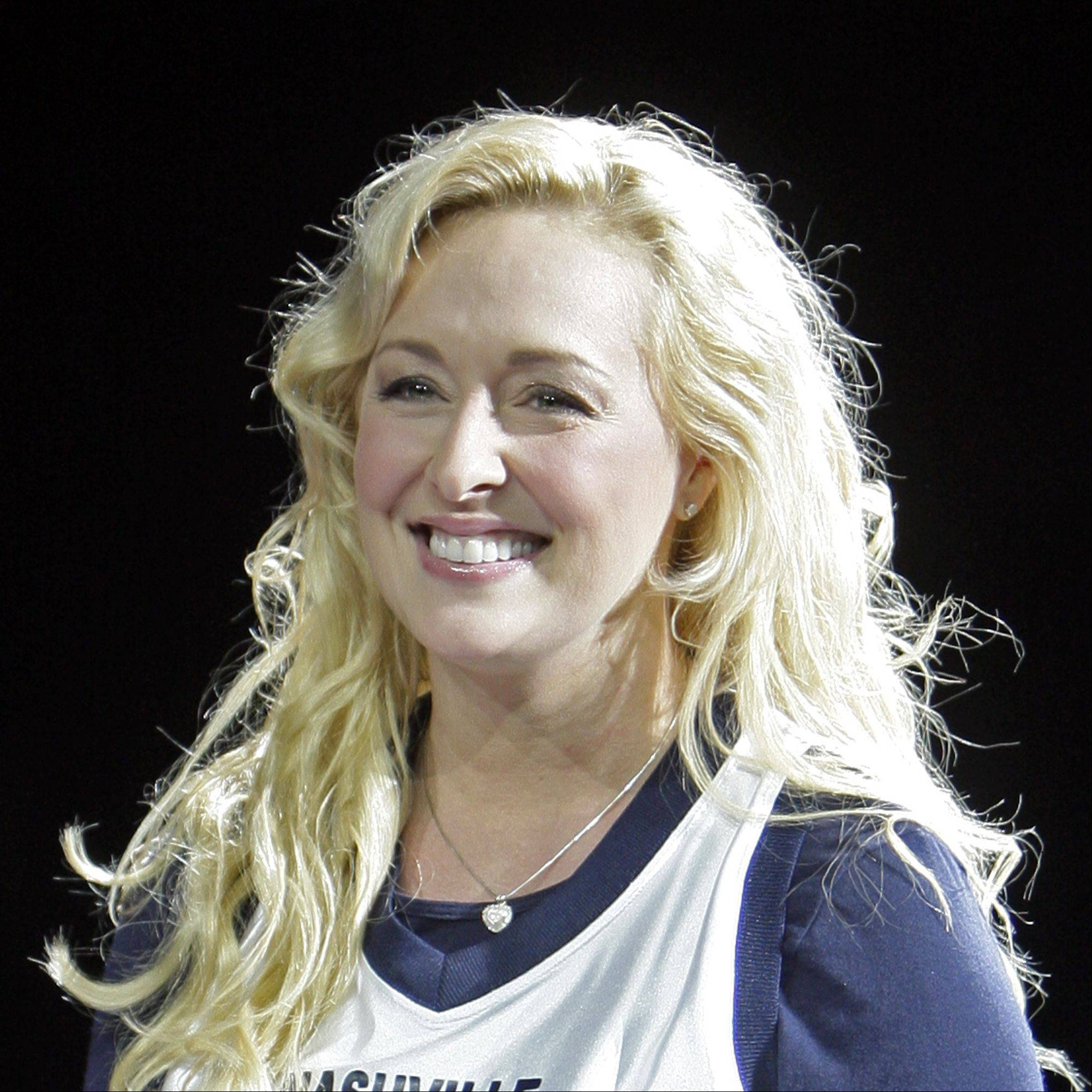 Country singer Mindy McCready died of an apparent suicide Sunday afternoon at her Arkansas home, according to the coroner's office.