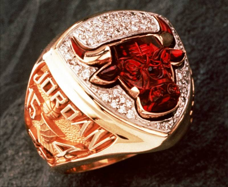 10 Chicago Bulls 1993 Championship Ring Michael Jordans