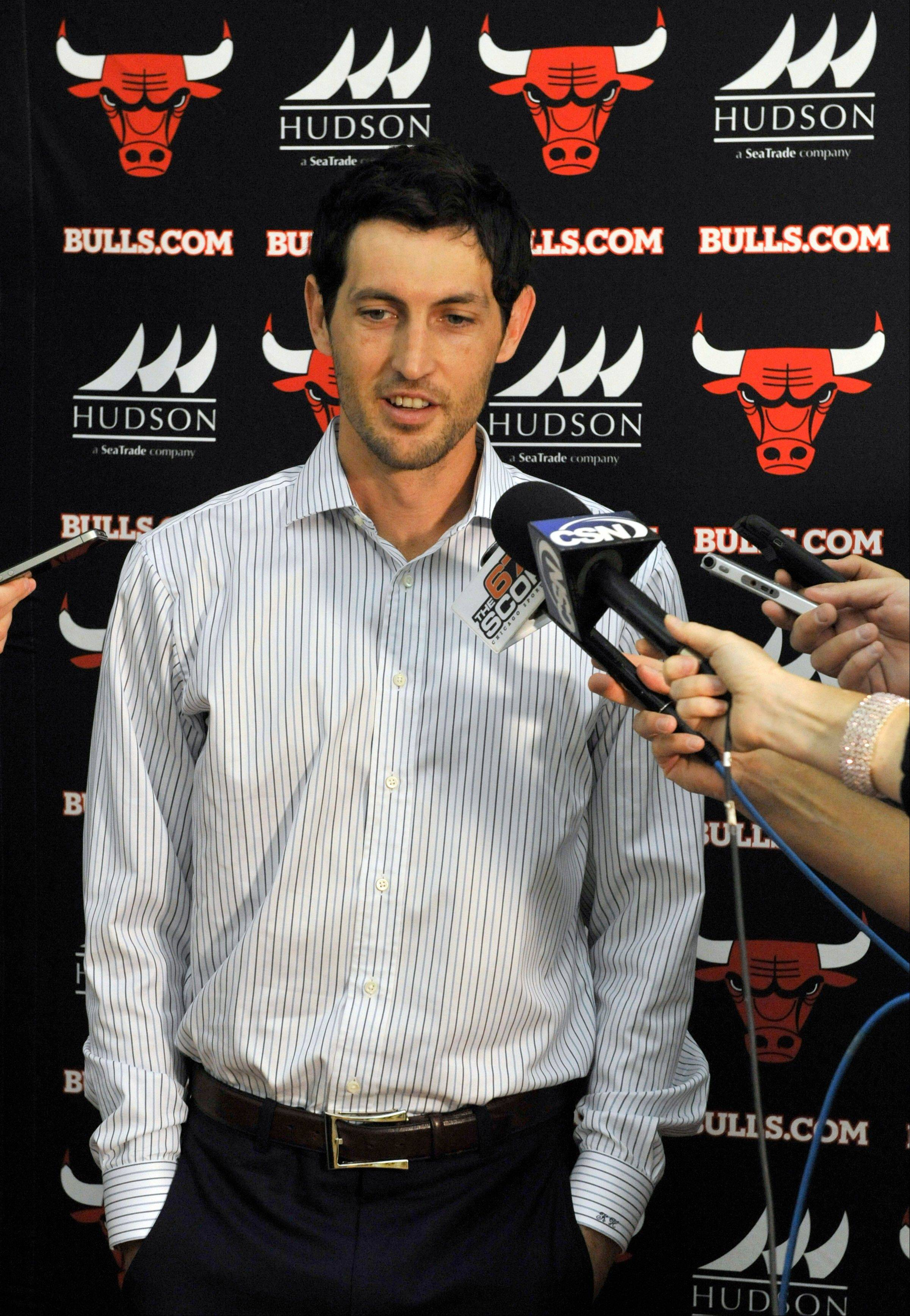 Hinrich returns to Bulls in time for tough stretch