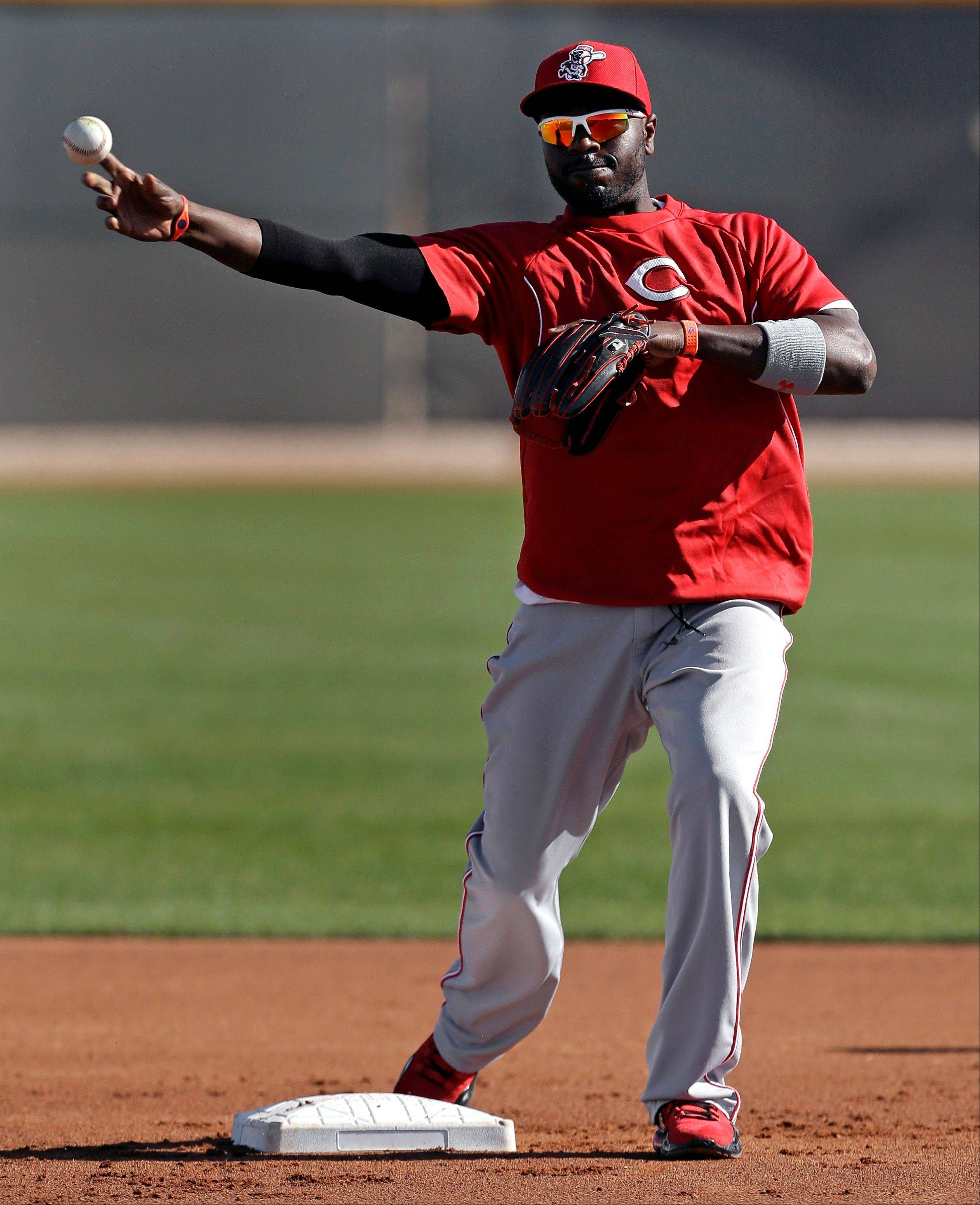 Cincinnati Reds second baseman Brandon Phillips says he believes his flashy style turned Gold Glove voters against him last season.
