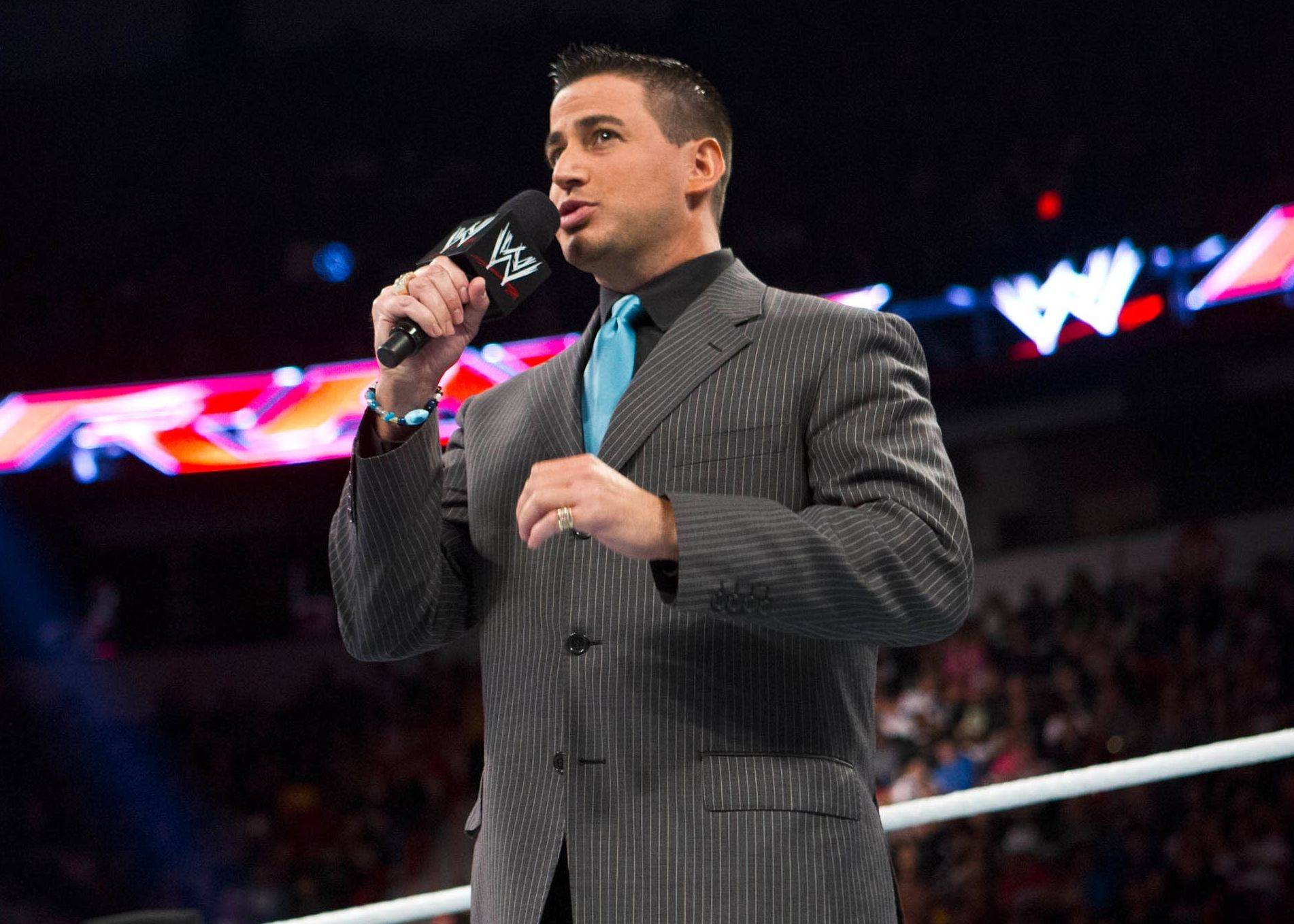 WWE announcer Justin Roberts said he's wanted this dream job since he was a kid growing up in Buffalo Grove.