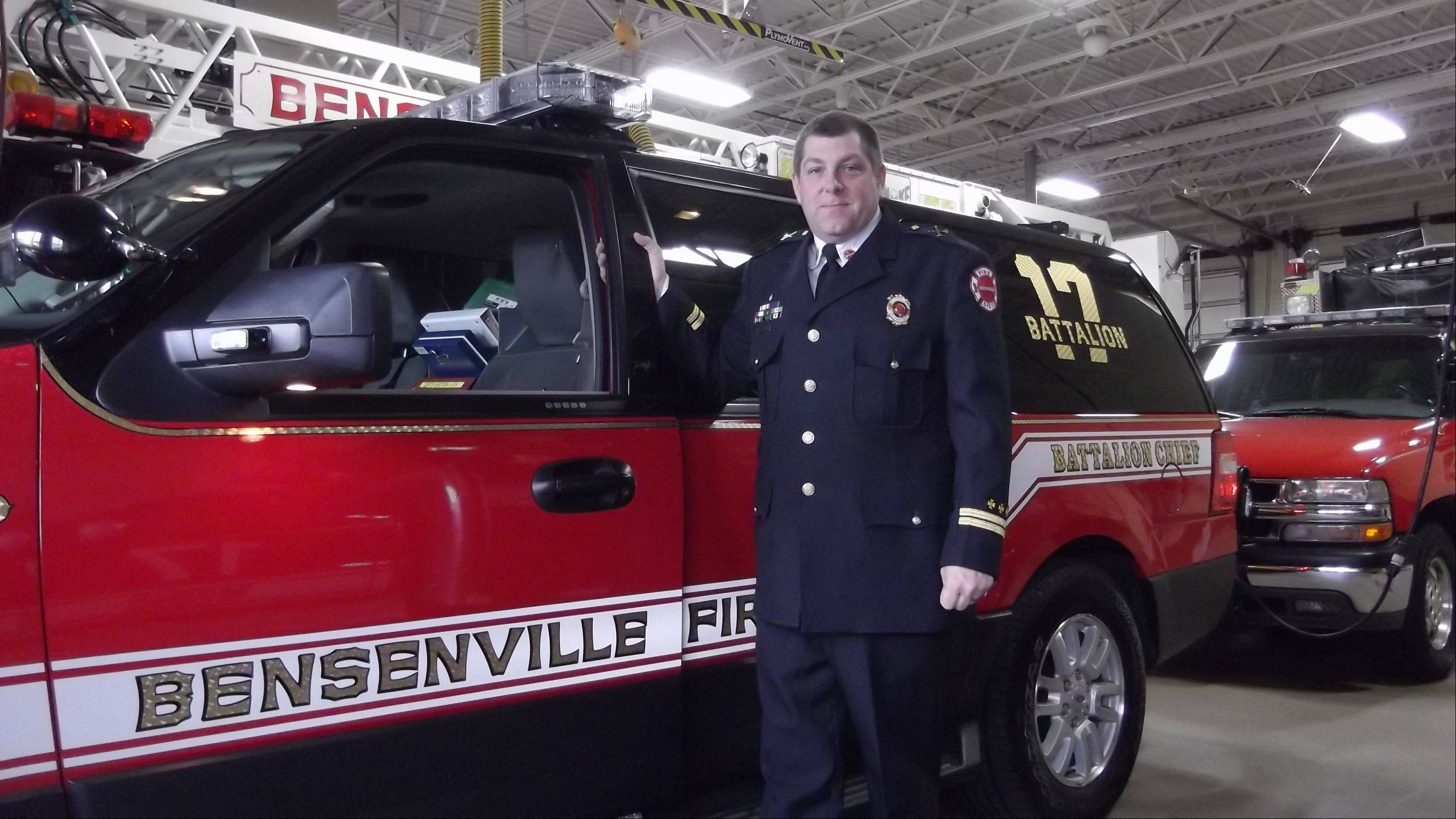 Longtime Bensenville Fire Protection District Batallion Chief Larry Karp is stepping down this month to become chief of a small fire department in Washington.