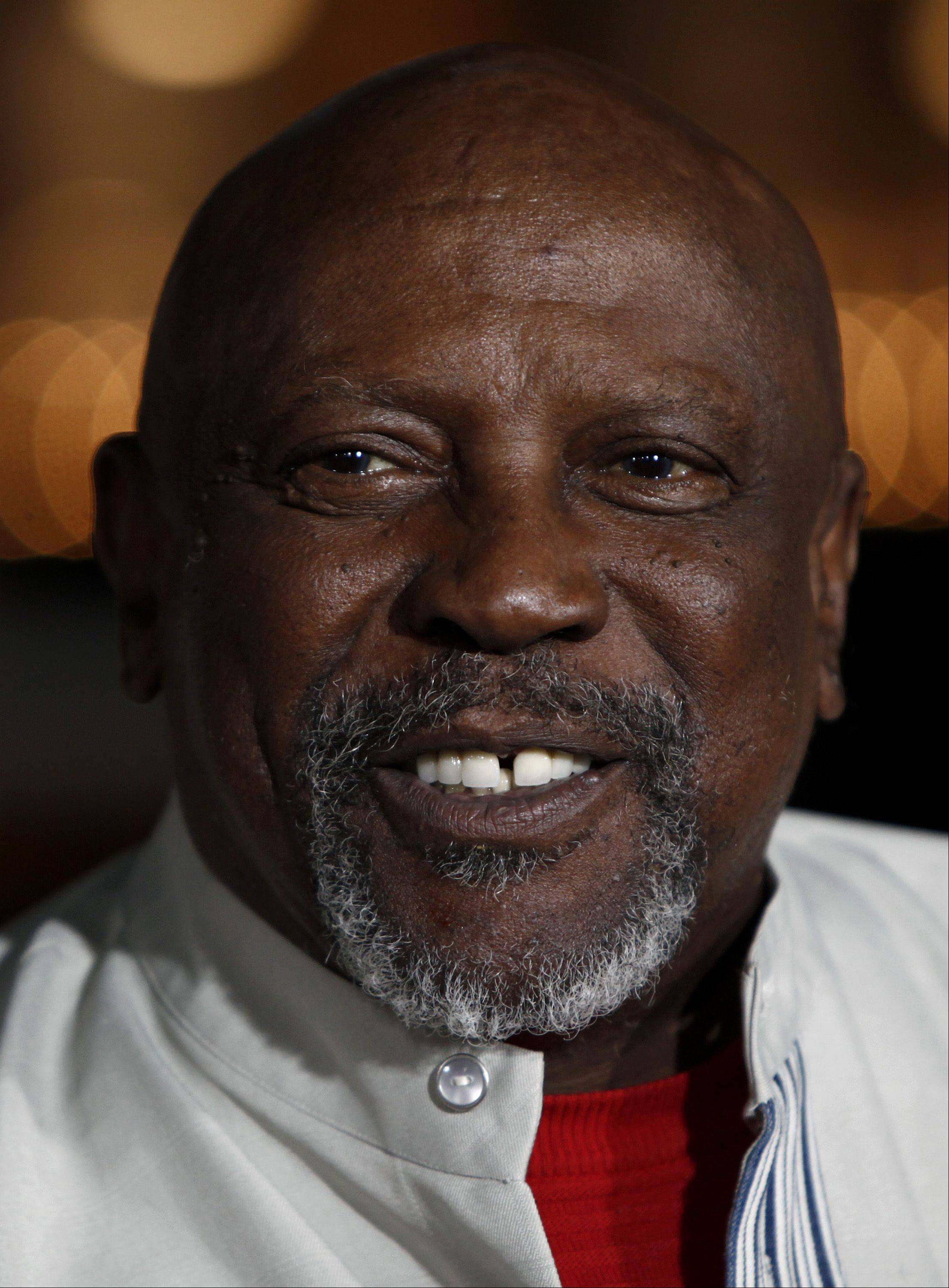 "In this Wednesday, Dec. 9, 2009 picture, Louis Gossett Jr. arrives at a screening of ""Nine"" in Los Angeles."