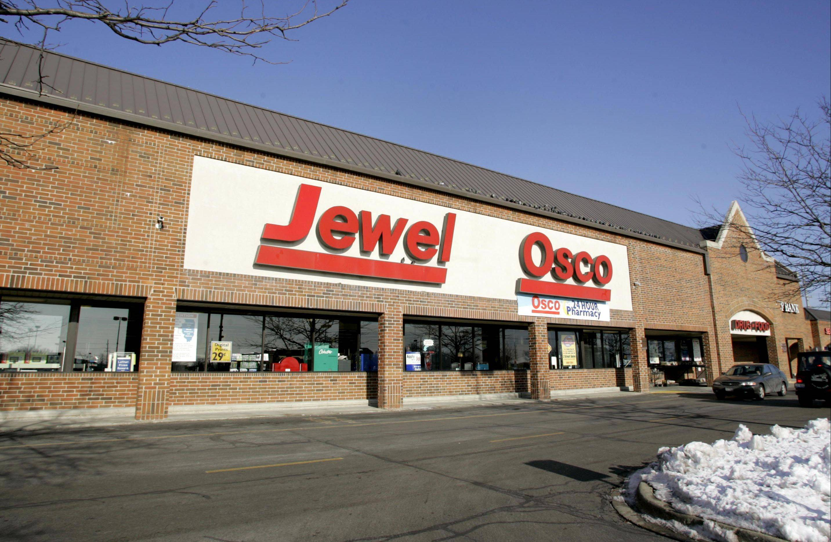 Jewel-Oscos in Wheaton and other suburbs have lowered prices to try to compete with Target and Walmart.