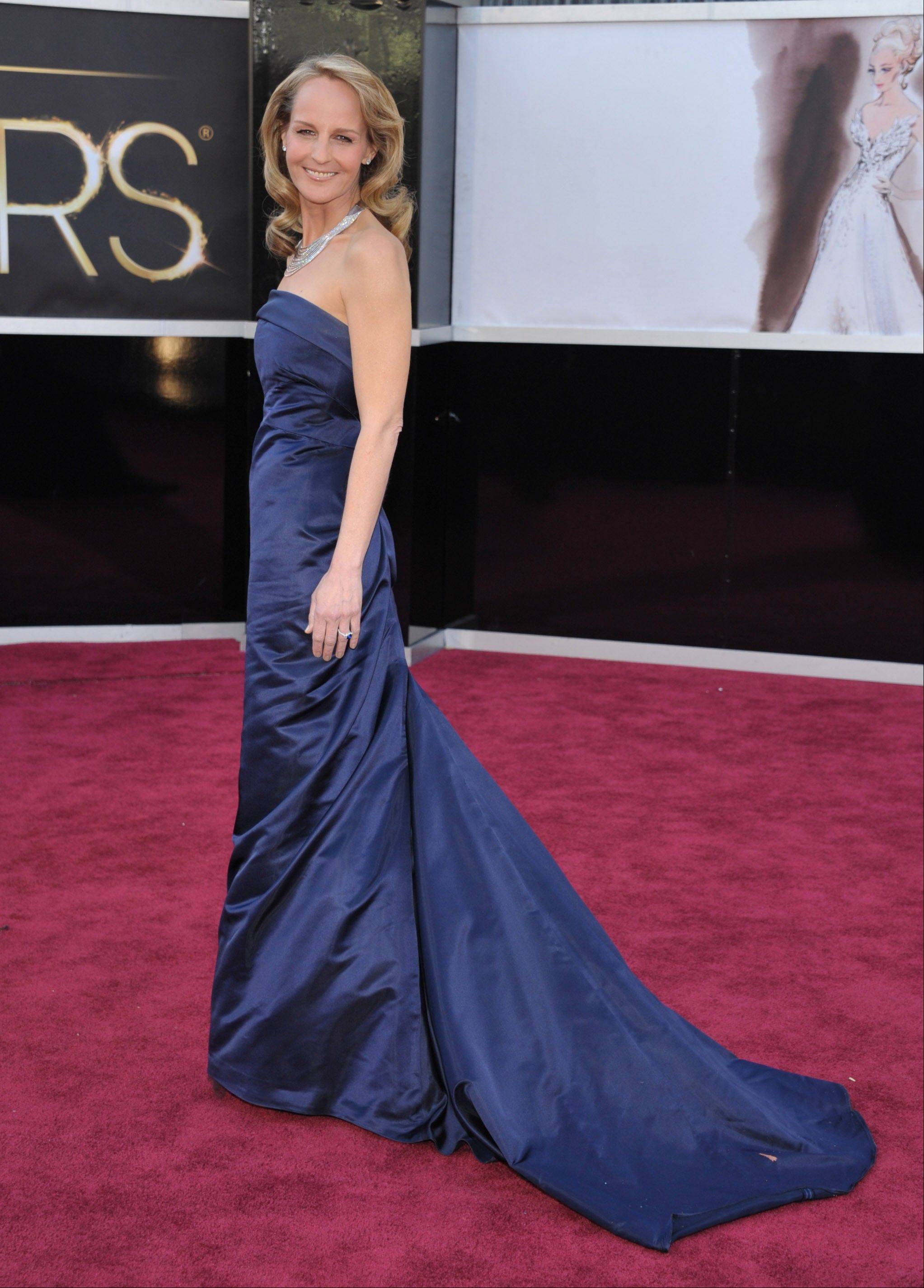Oscar winner Helen Hunt goes glam with this beautiful blue gown.
