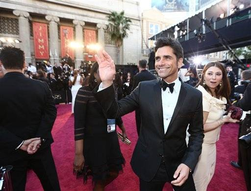John Stamos says hello to his fans.