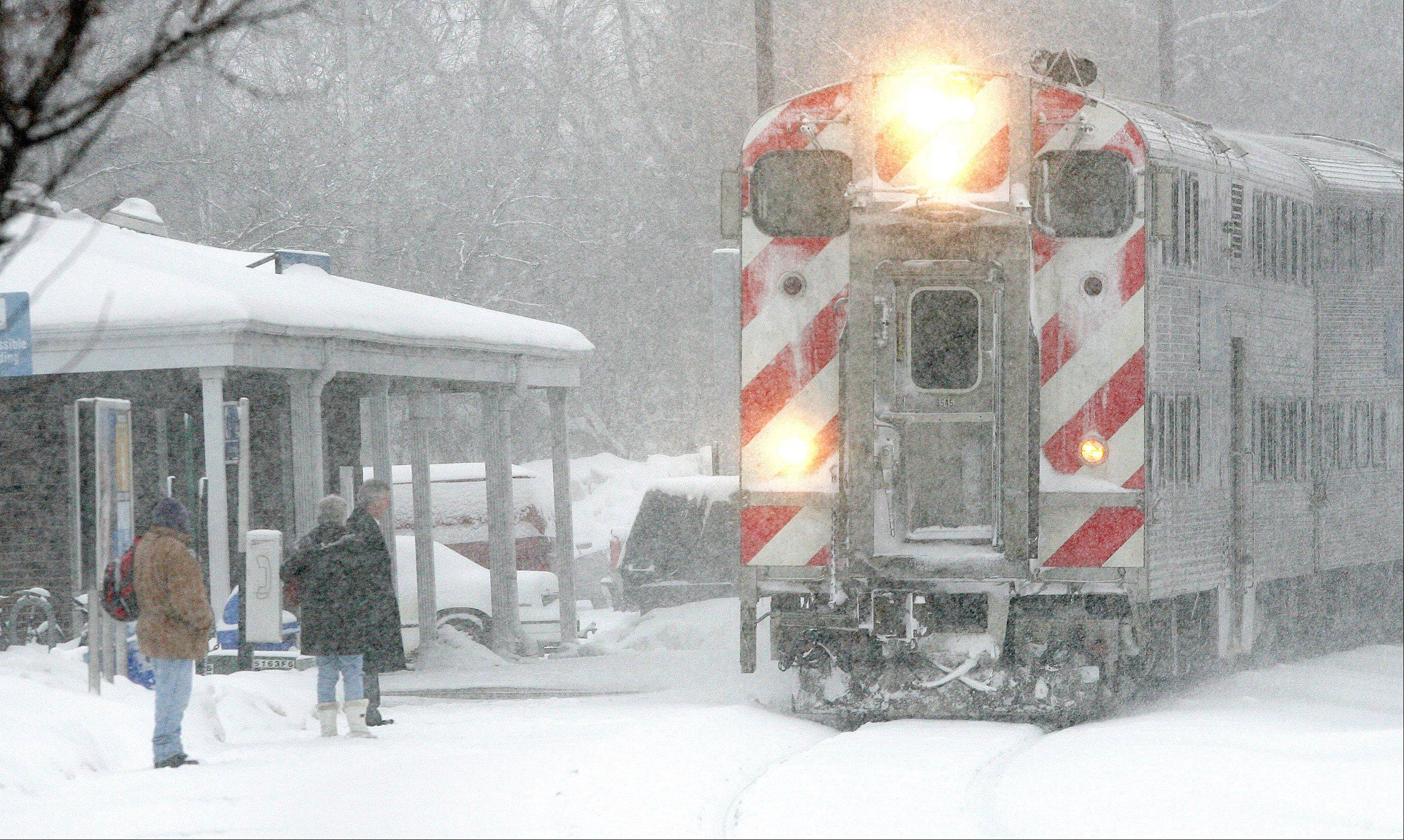 Metra thinks free rides and selling the disadvantages of driving � especially in bad weather � will boost passenger numbers.