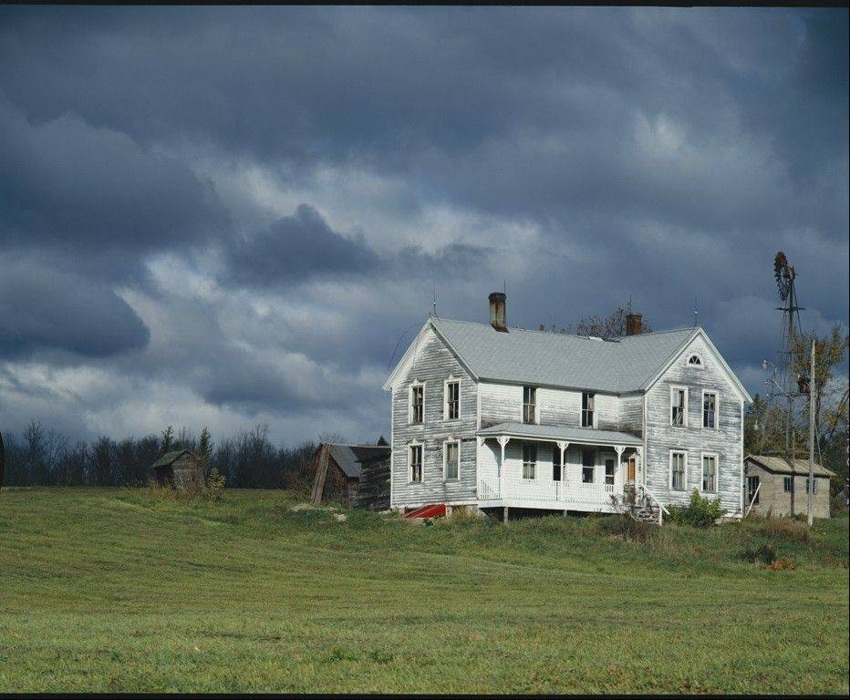 "DPI (Digital Image) of the Month, March, was awarded to Stan Kotecki's ""Farm House UP."""