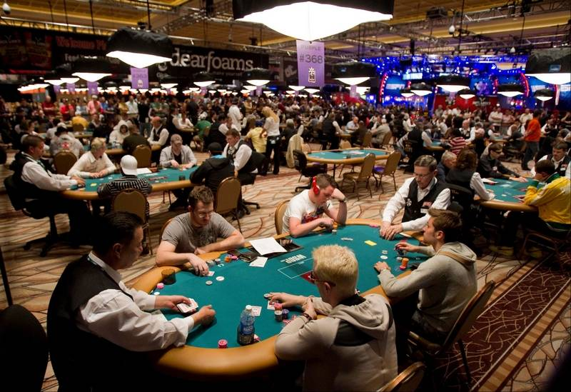 Las Vegas casinos folding on poker rooms