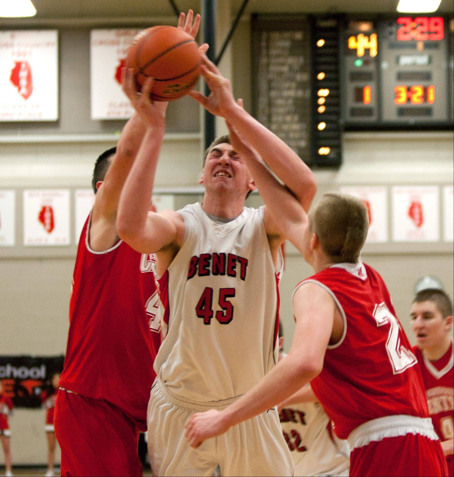 Benet's Sean O'Mara drives to the basket during regional action in Lisle.