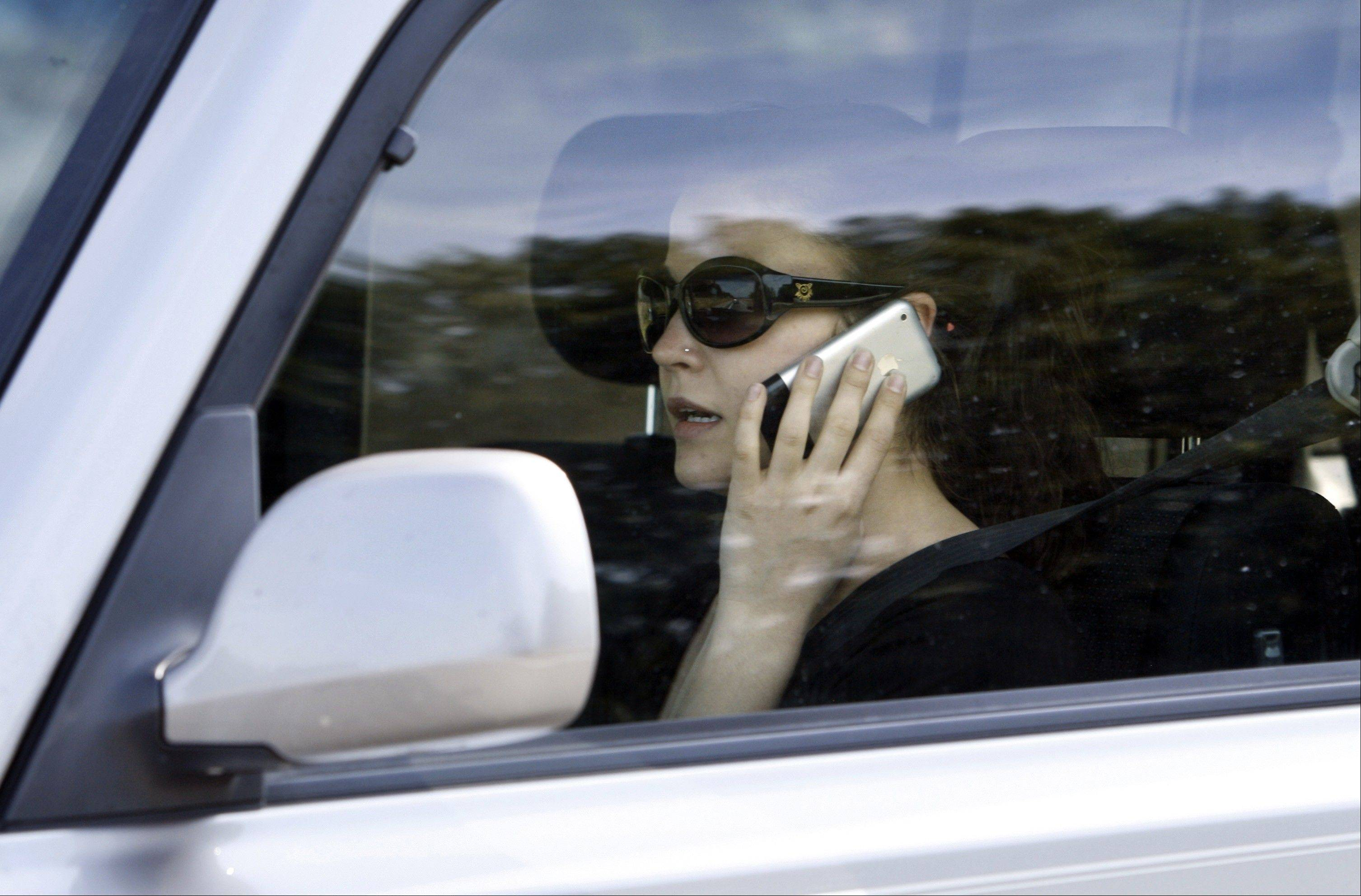 The Illinois House Friday voted to make it illegal to talk on a handheld cellphone while driving. The proposal now goes to the state Senate. Supporters argued reducing distractions for drivers could prevent wrecks and deaths behind the wheel.