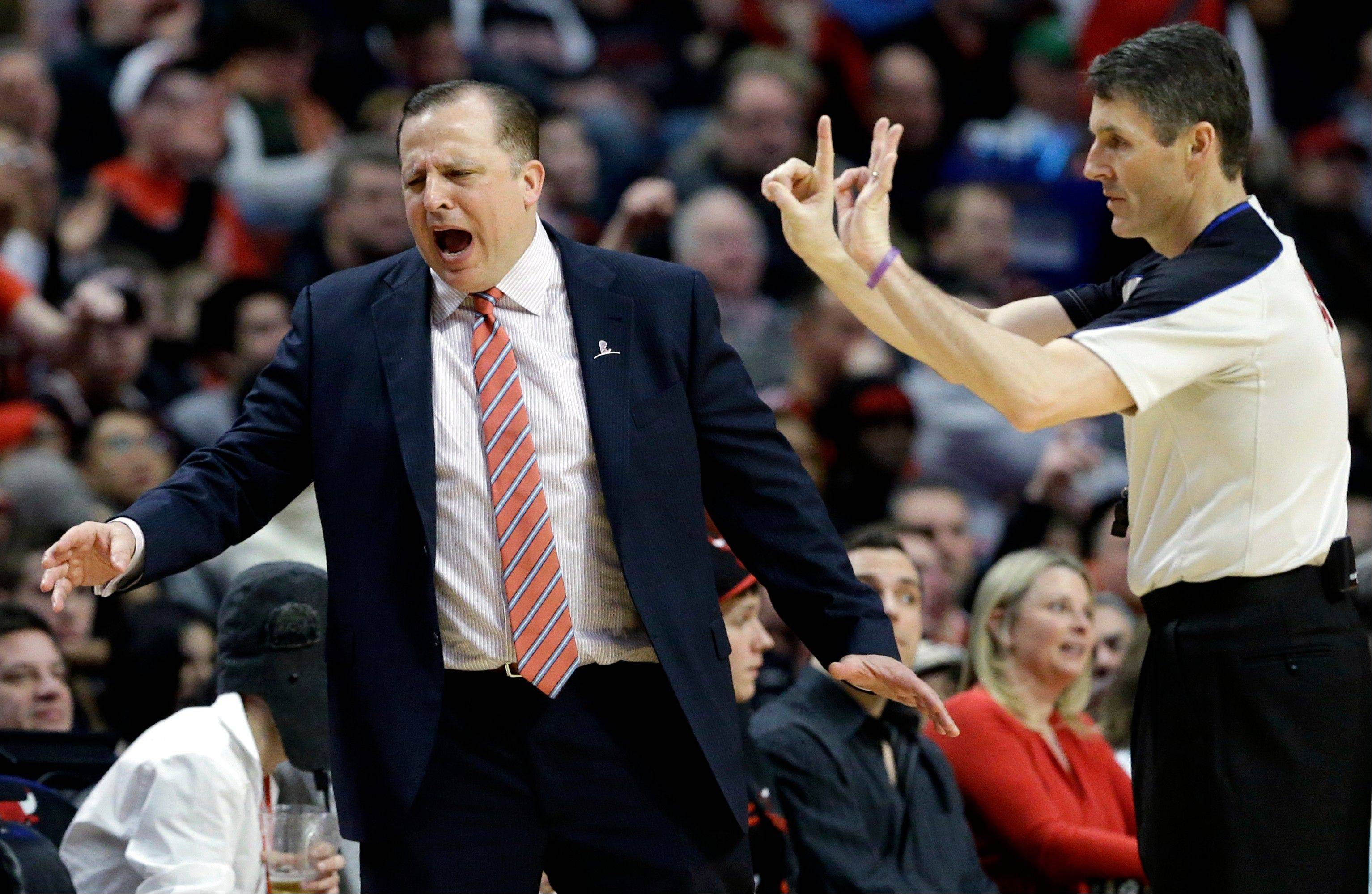 Bulls head coach Tom Thibodeau, left, reacts to a call during the second half of his team's victory against Brooklyn in Chicago on Saturday, March 2, 2013.