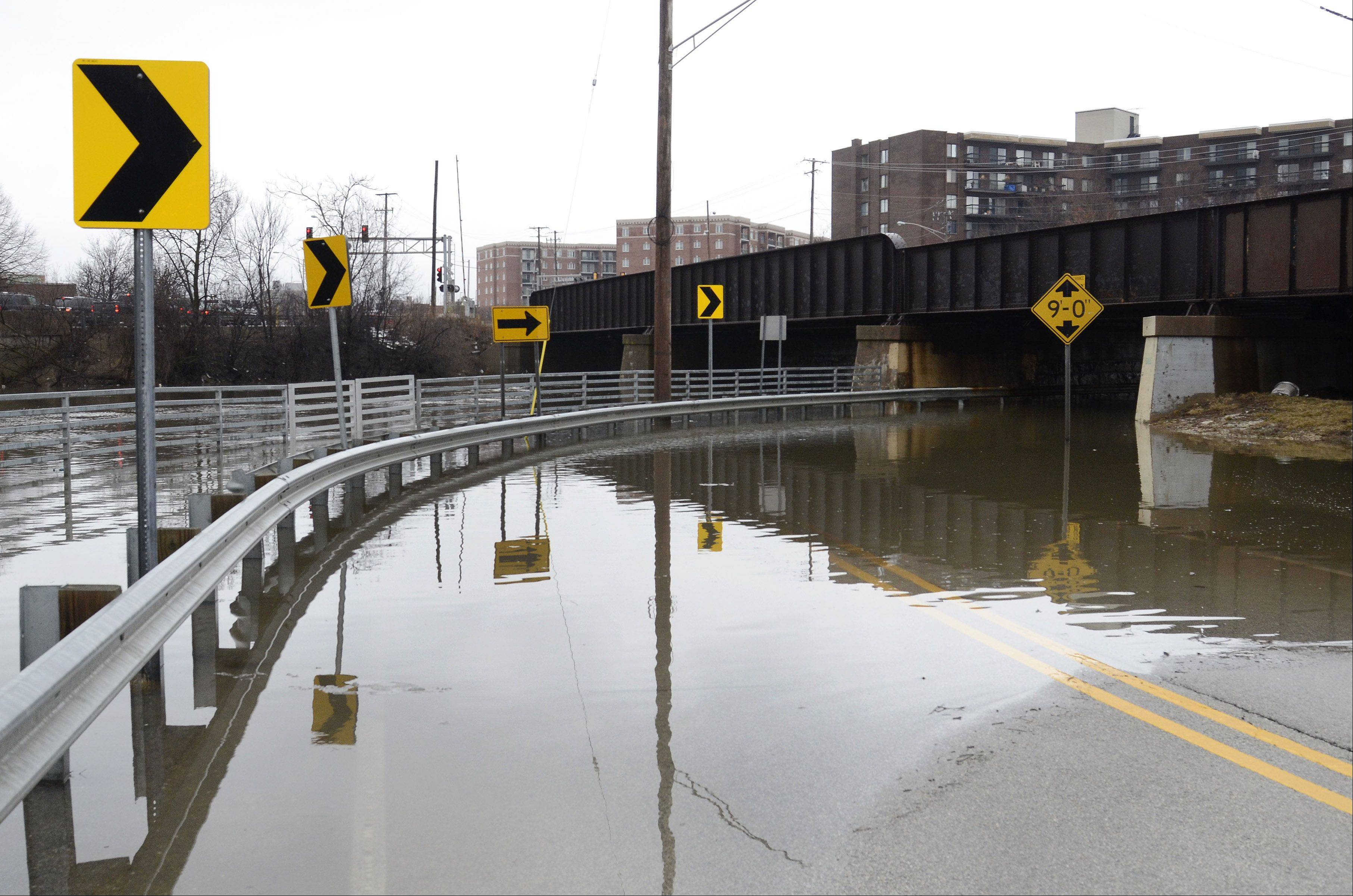 Campground Road in Des Plaines closed along the Des Plaines Rriver.