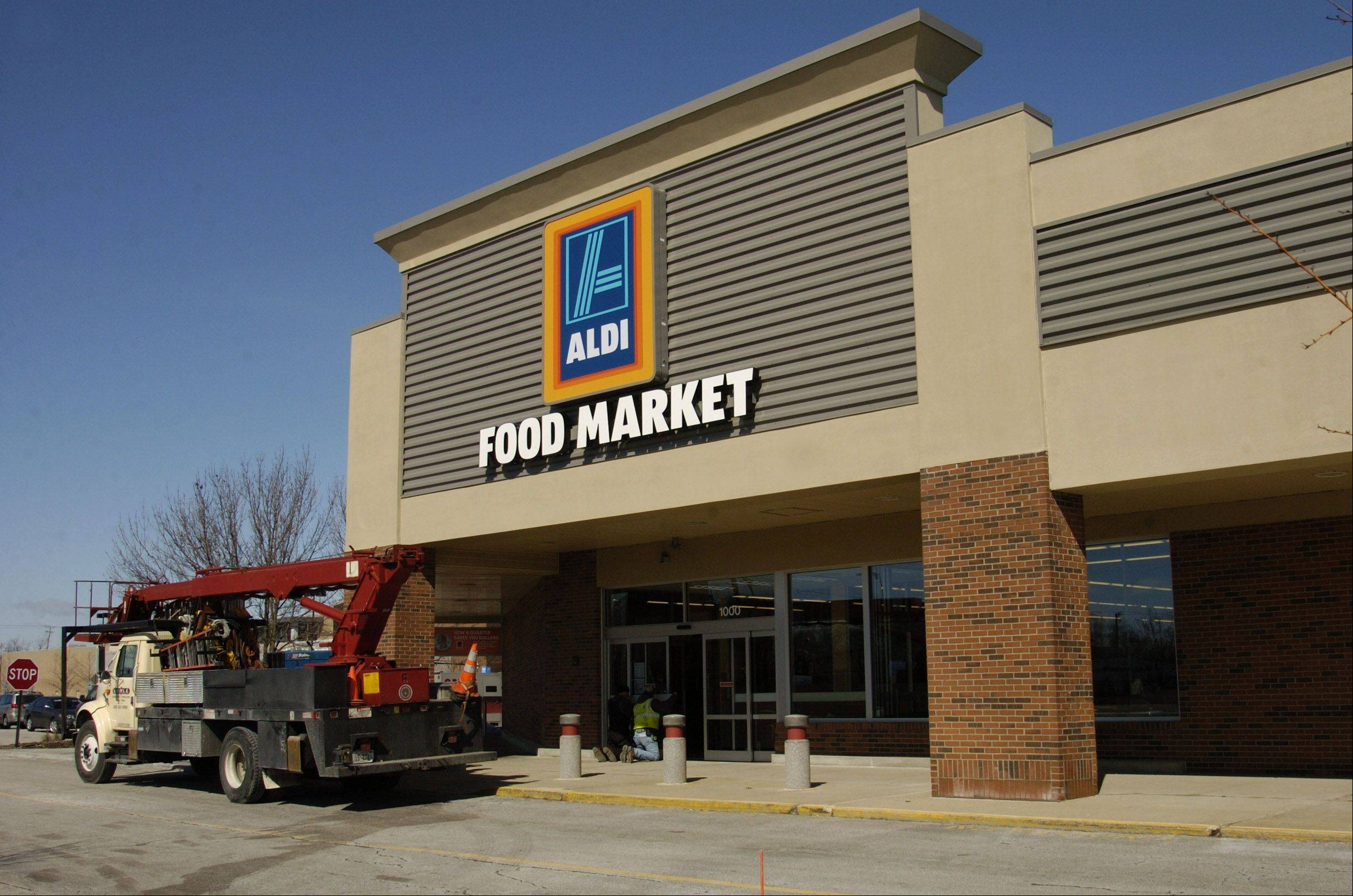 A new Aldi discount grocery store is opening in two weeks in the Mount Prospect Plaza shopping center. The planned opening will occur one day after an existing Aldi at 730 E. Rand Road is scheduled to close.