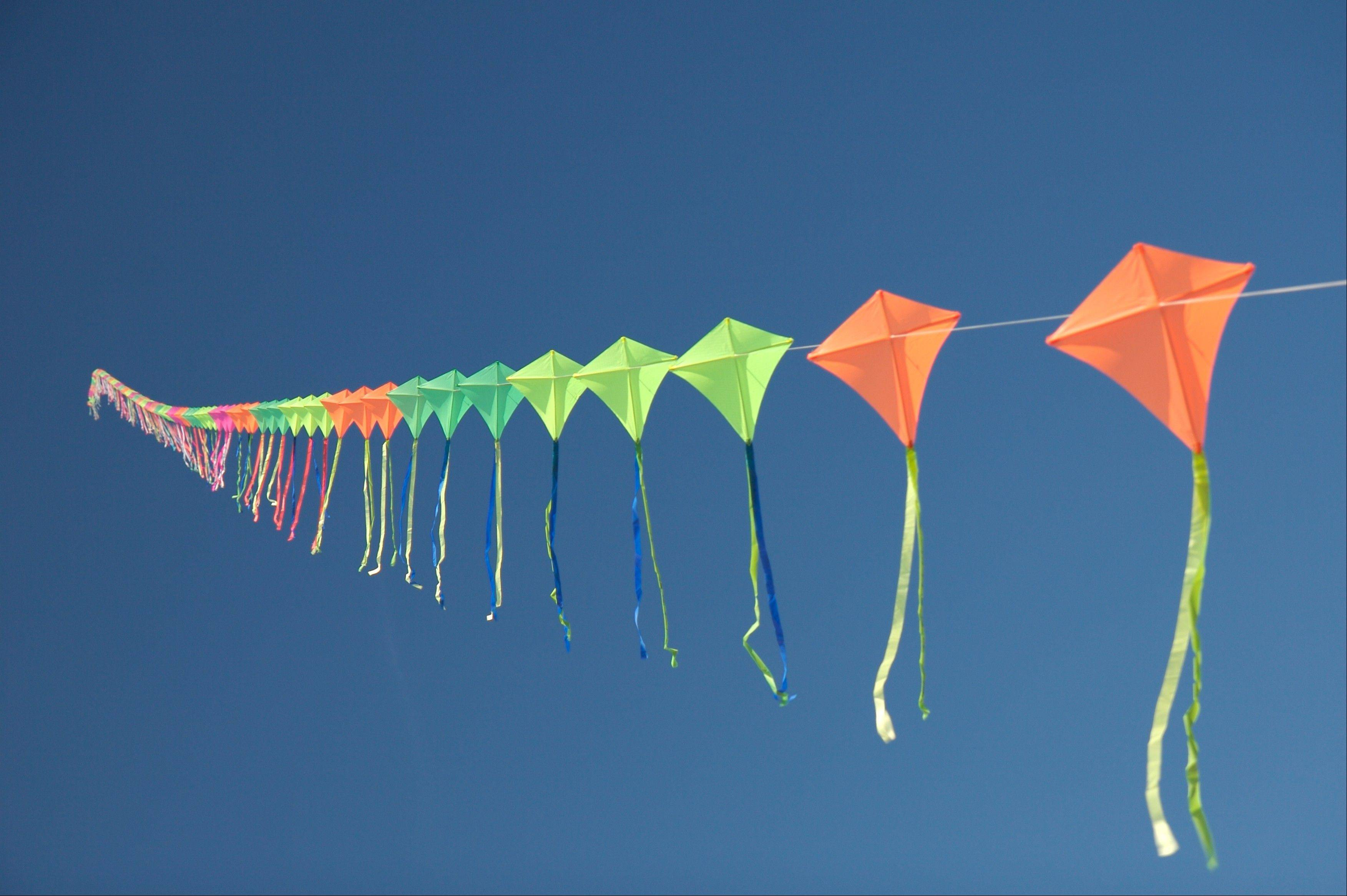 Youngsters are invited to the free Kite-Making program Saturday at the Great Lakes Naval Museum.