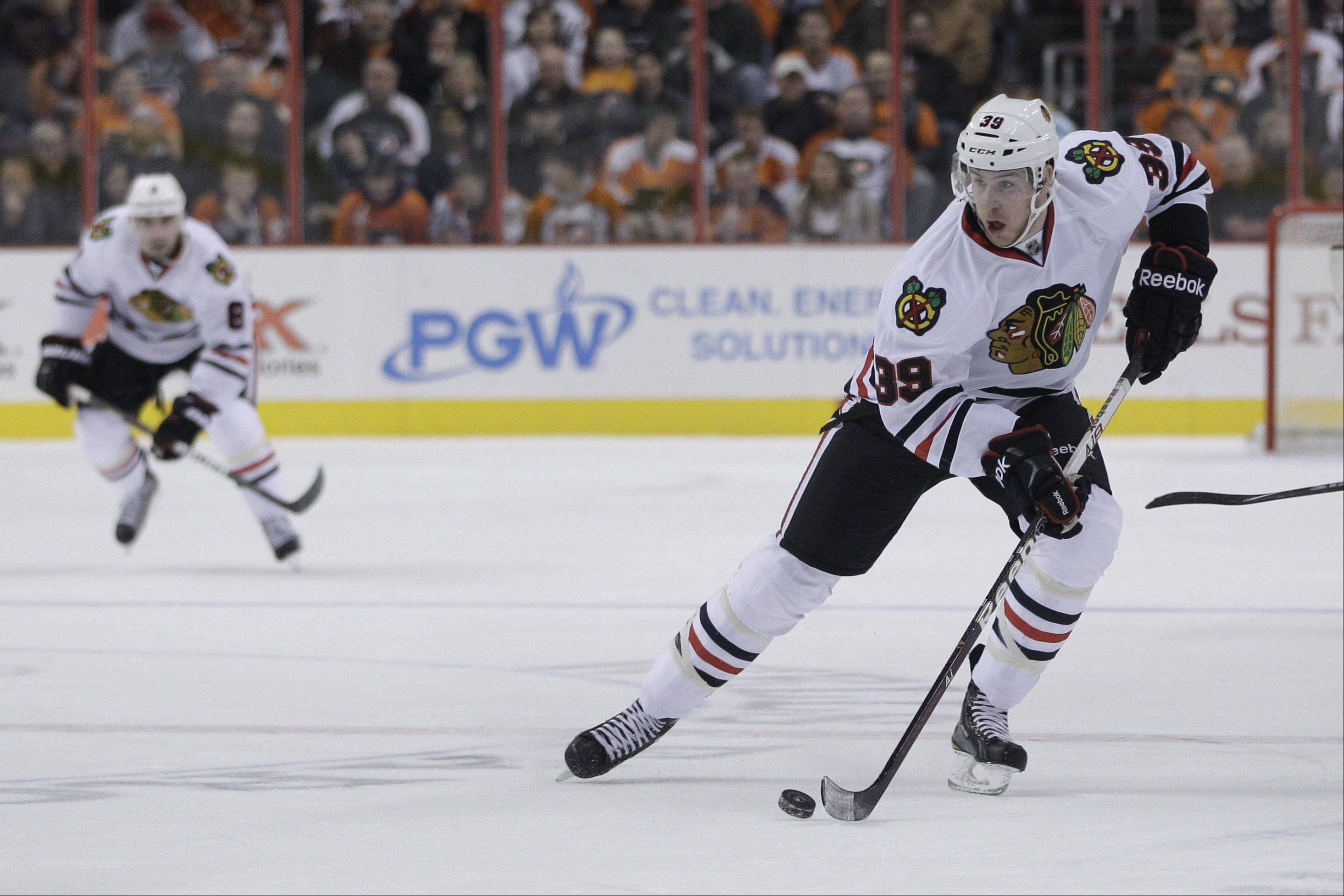 After being recalled from Rockford, Jimmy Hayes will get a chance to play on the line with Patrick Kane and Dave Bolland.