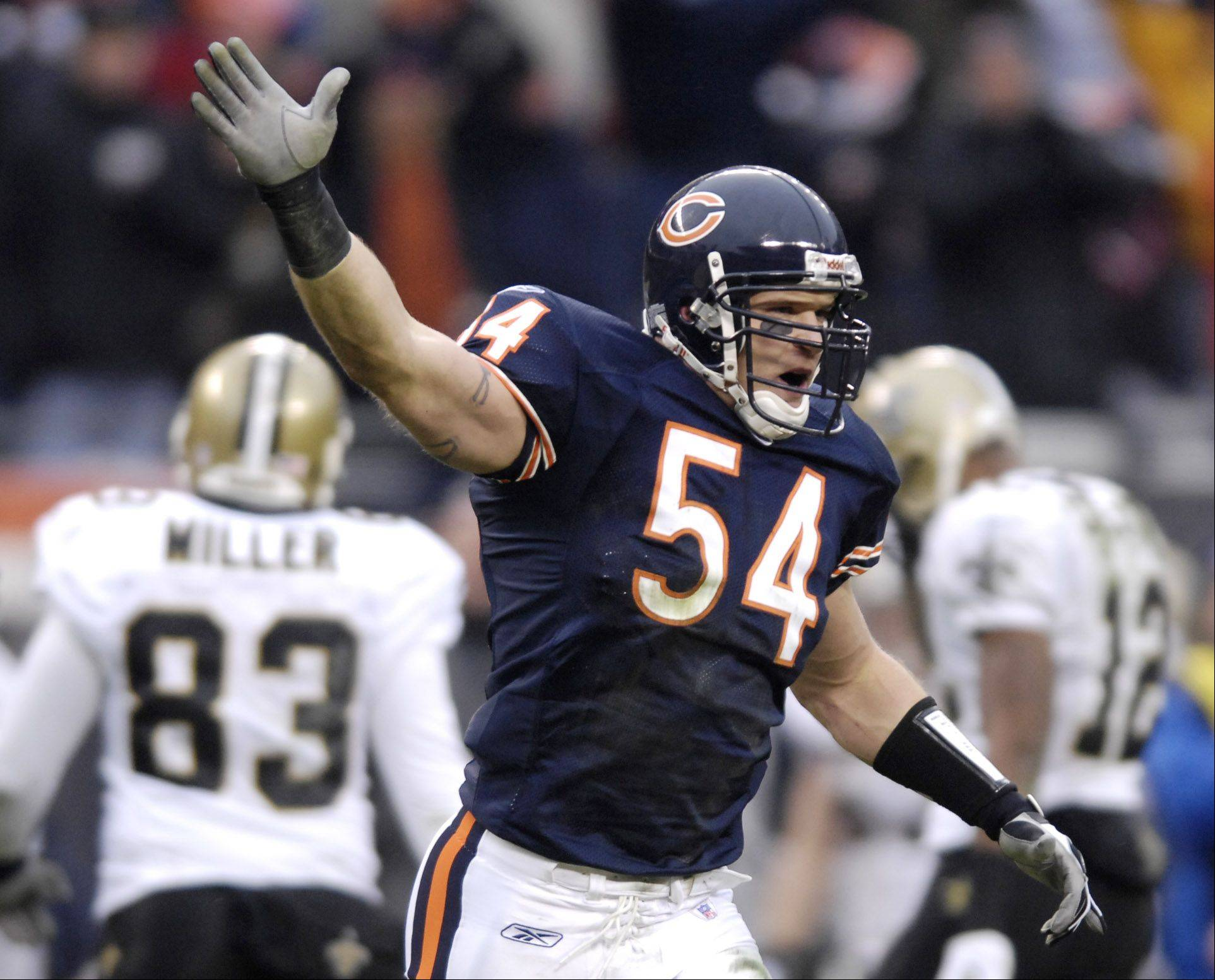 It would probably serve both Brian Urlacher and the Bears best if the parties could come to an agreement on a new contract.