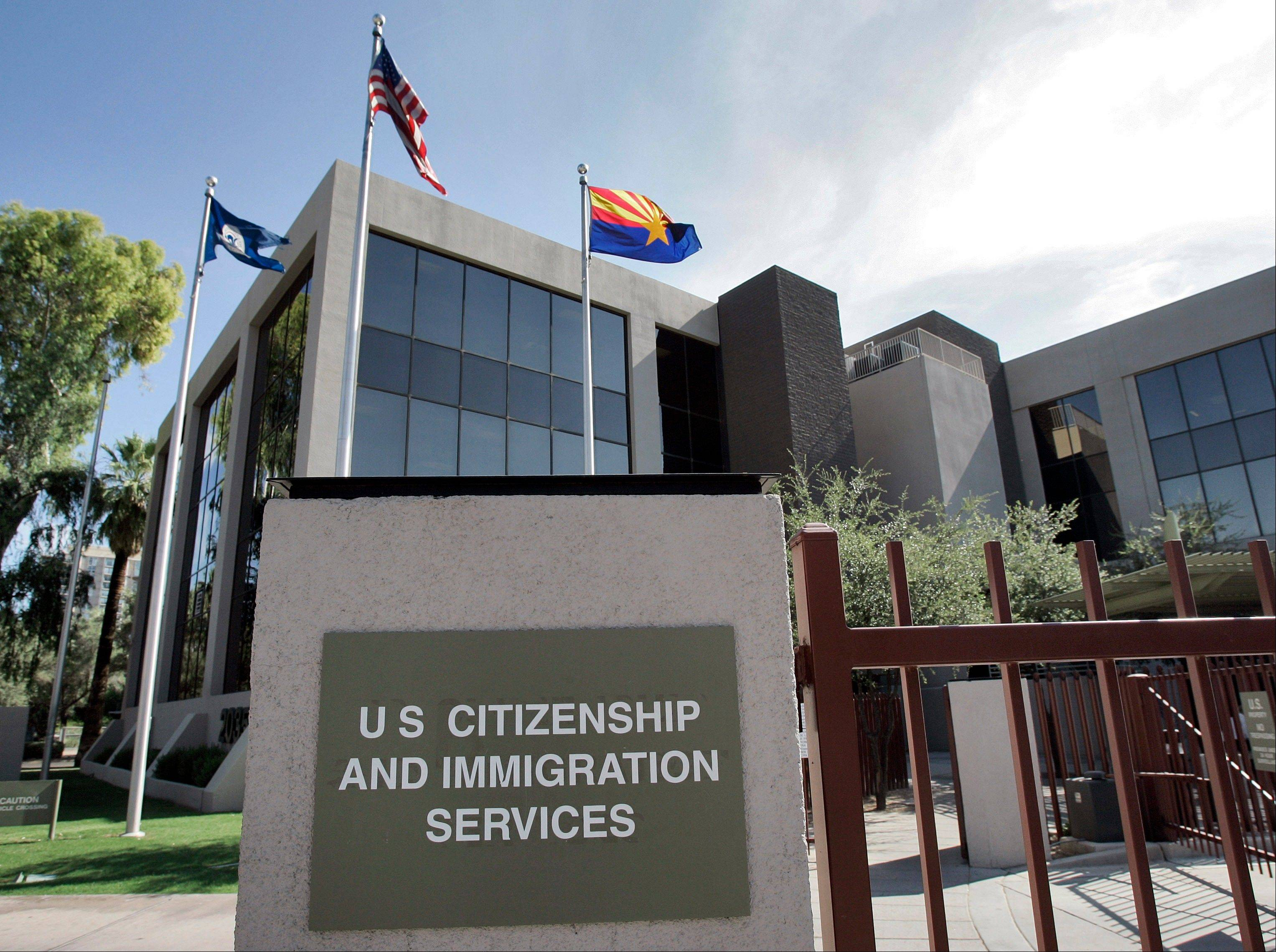 The U.S. Supreme Court will struggle this week with the validity of an Arizona law that tries to keep illegal immigrants from voting by demanding all state residents show documents proving their U.S. citizenship before registering to vote in national elections.