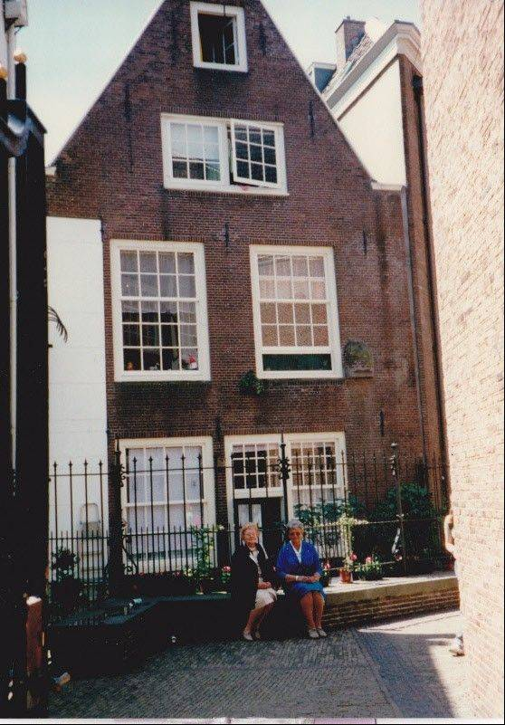 In 1997, the last time they would see each other in person, the two friends sit outside Bep Timmermans' Amsterdam home.