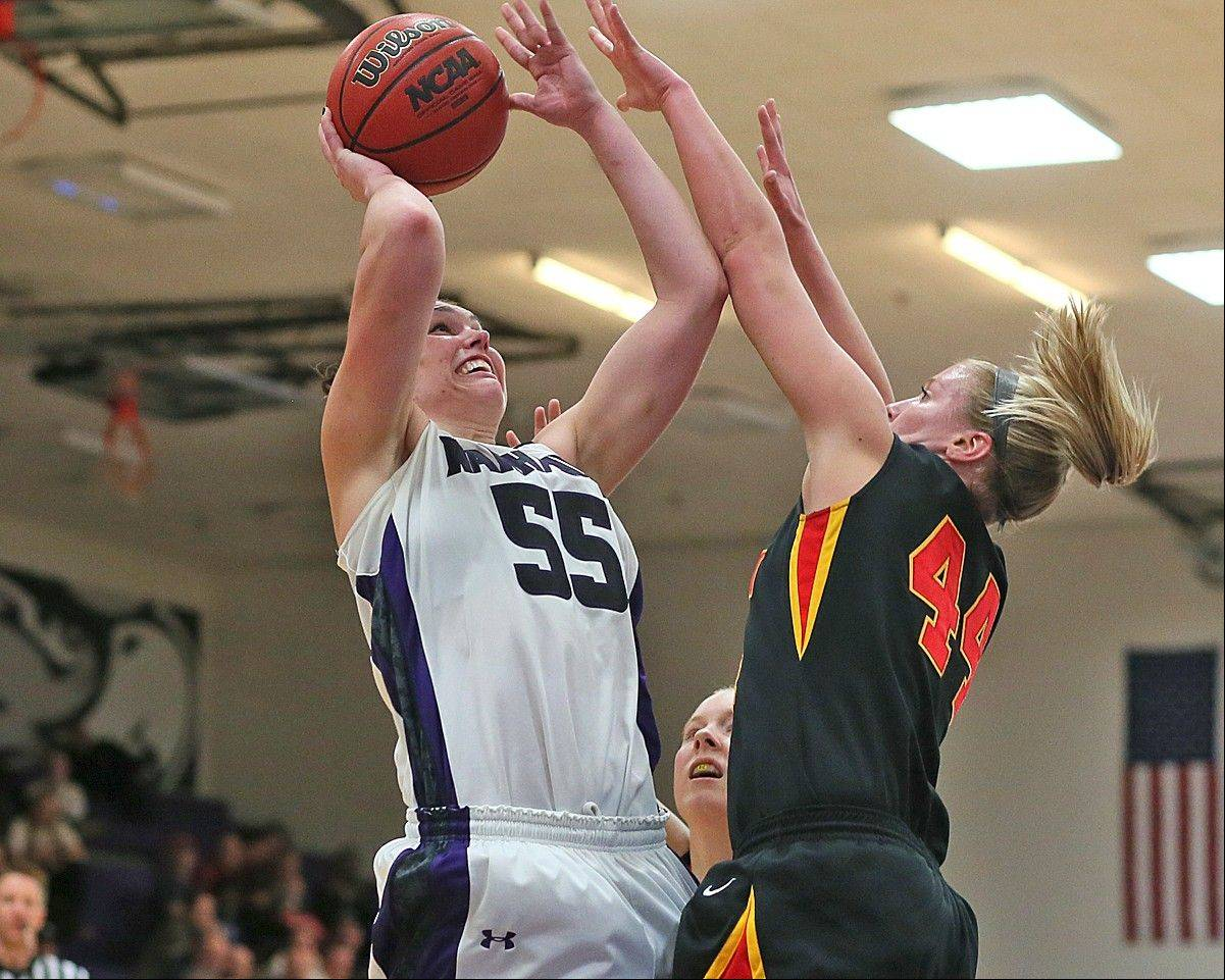 South Elgin graduate Cortney Kumerow, who helped the Wisconsin-Whitewater women's basketball team to a runner-up finish at the NCAA Division III national tournament, has been recognized by D3hoops.com.