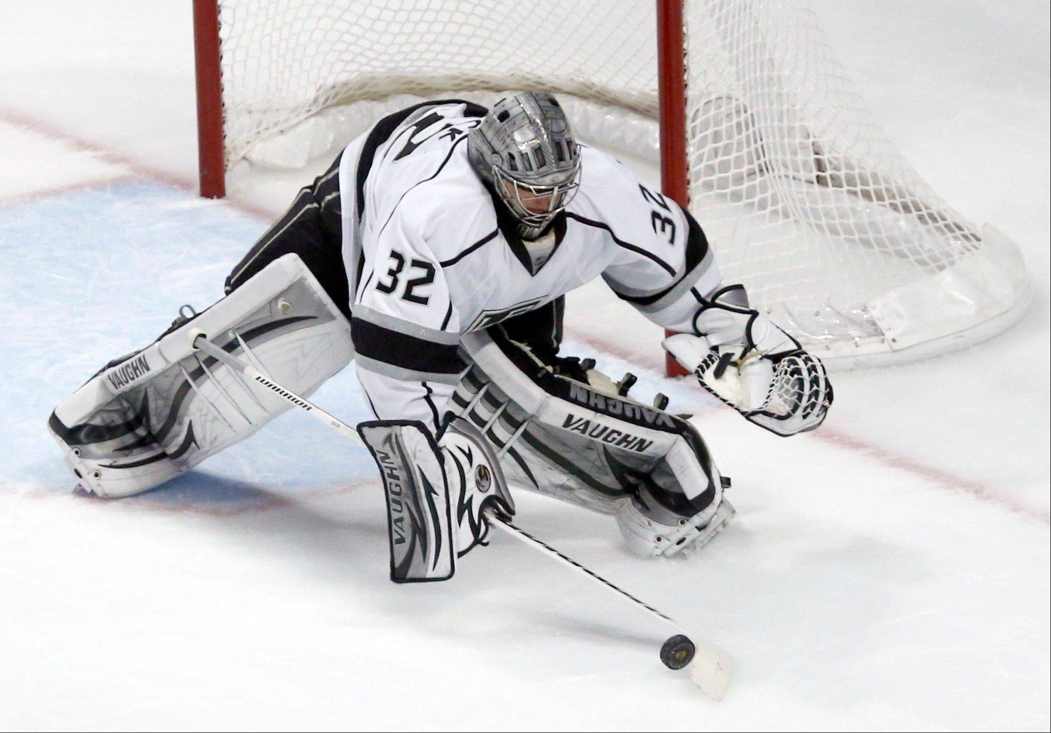 Los Angeles Kings goalie Jonathan Quick makes a save during the second period.