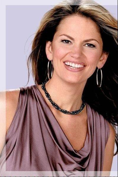 Comedian Lynne Koplitz performs at the Improv Comedy Showcase in Schaumburg.