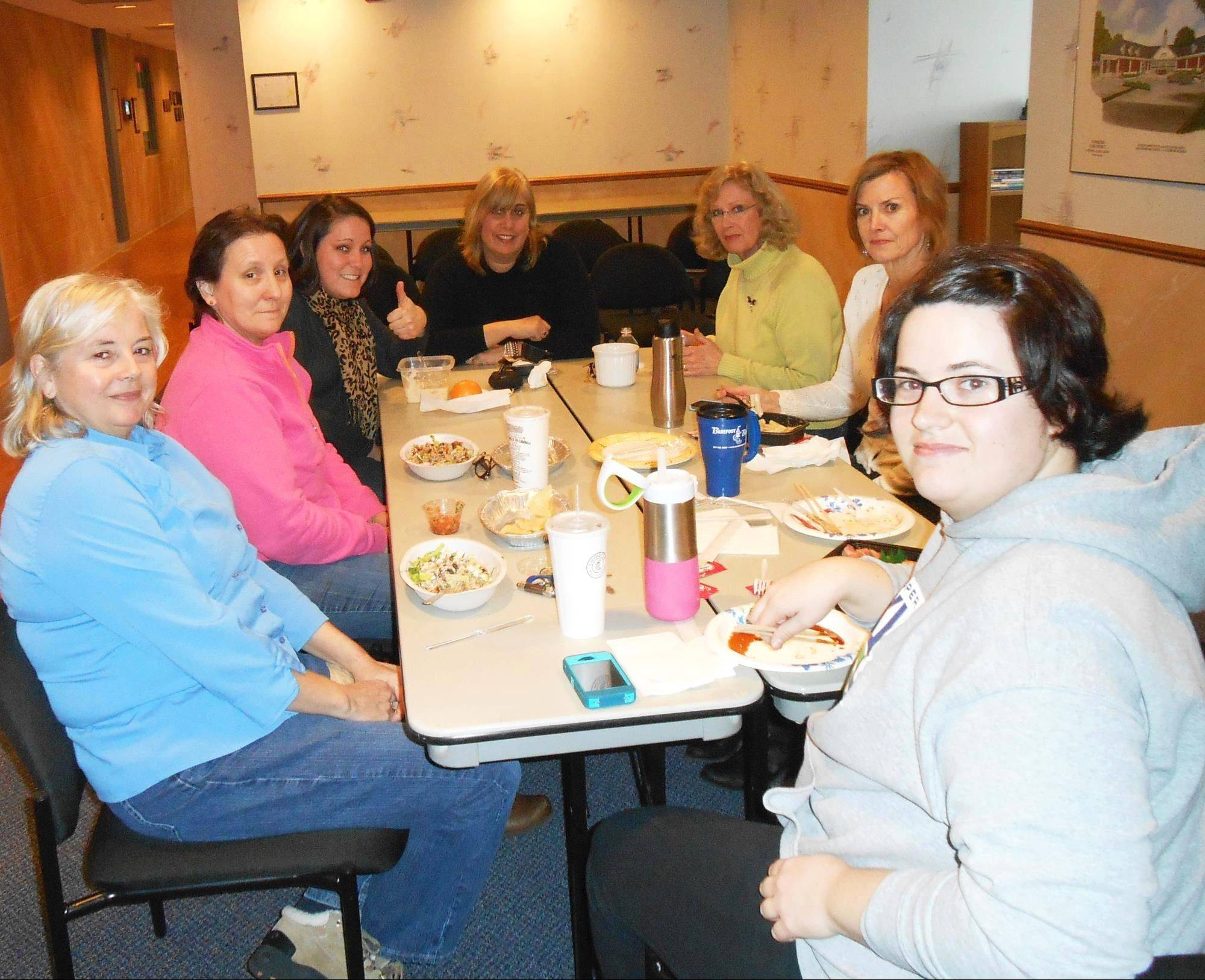 The Mundelein Park District team, Park View Fittest, enjoys a healthy lunch.