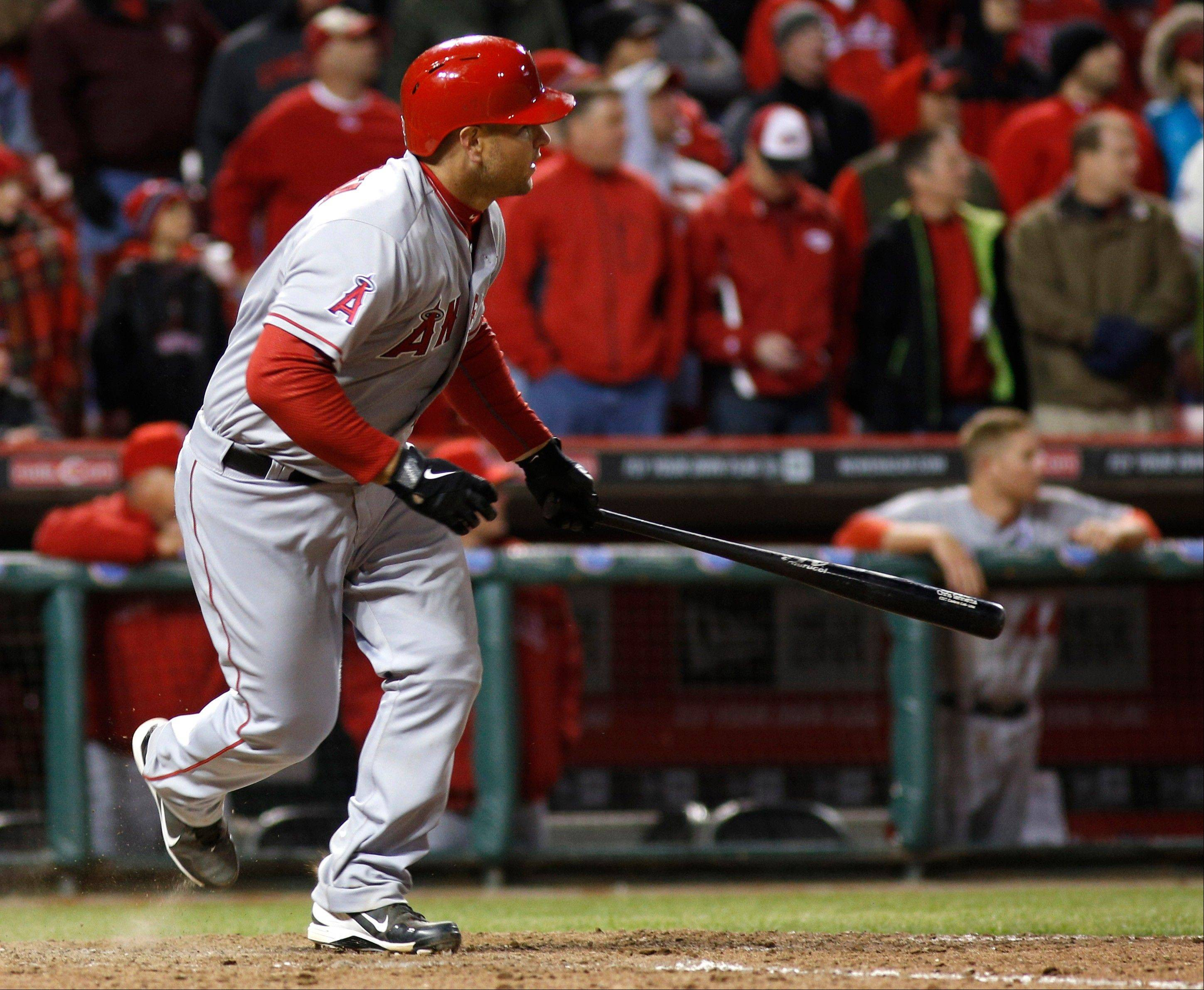 Iannetta's hit in 13th leads Angels over Reds 3-1