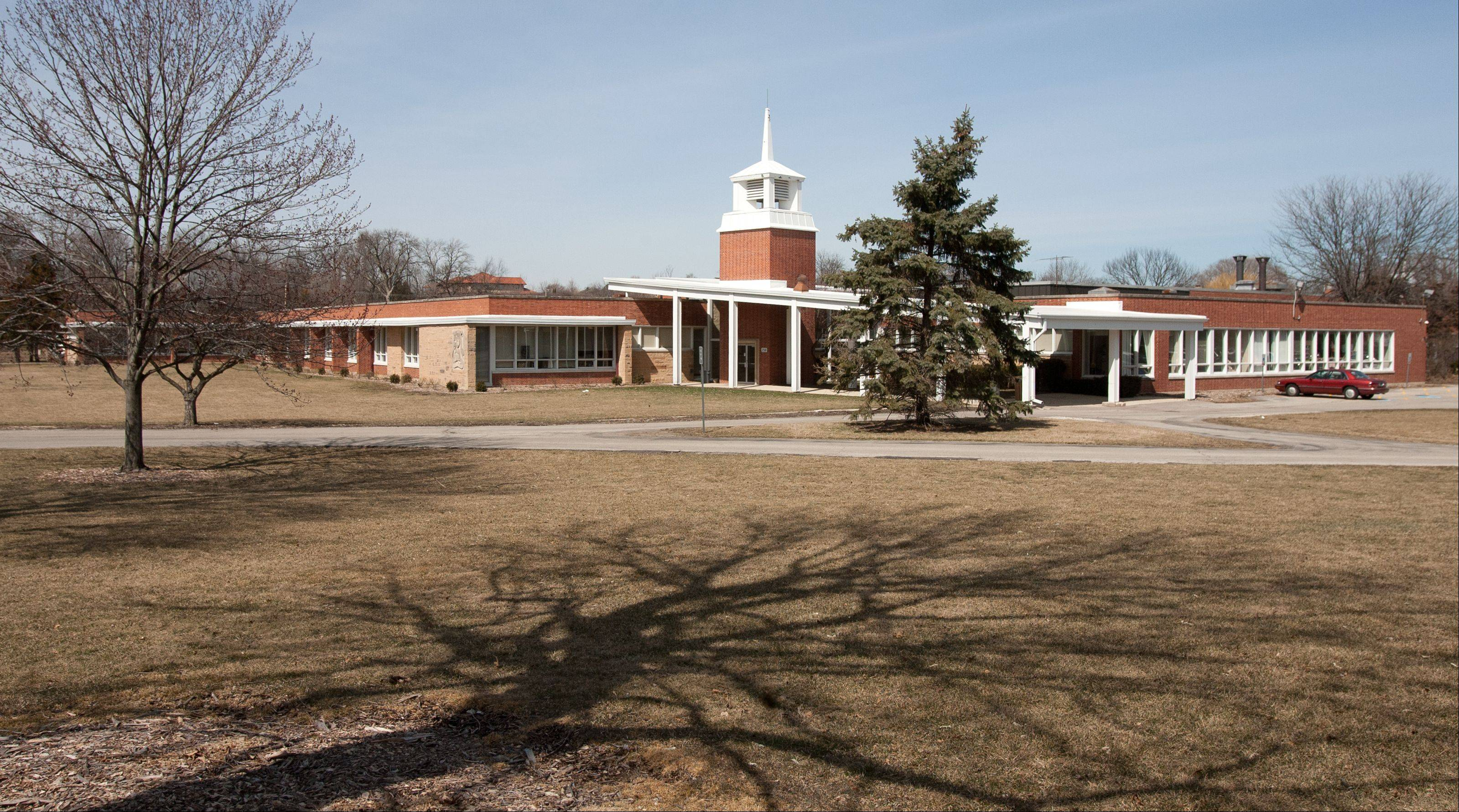The Glen Ellyn School District 41 board plans to make a formal offer to buy Wheaton College's east campus property at 1825 College Ave., but so far, college officials have said the land isn't for sale.