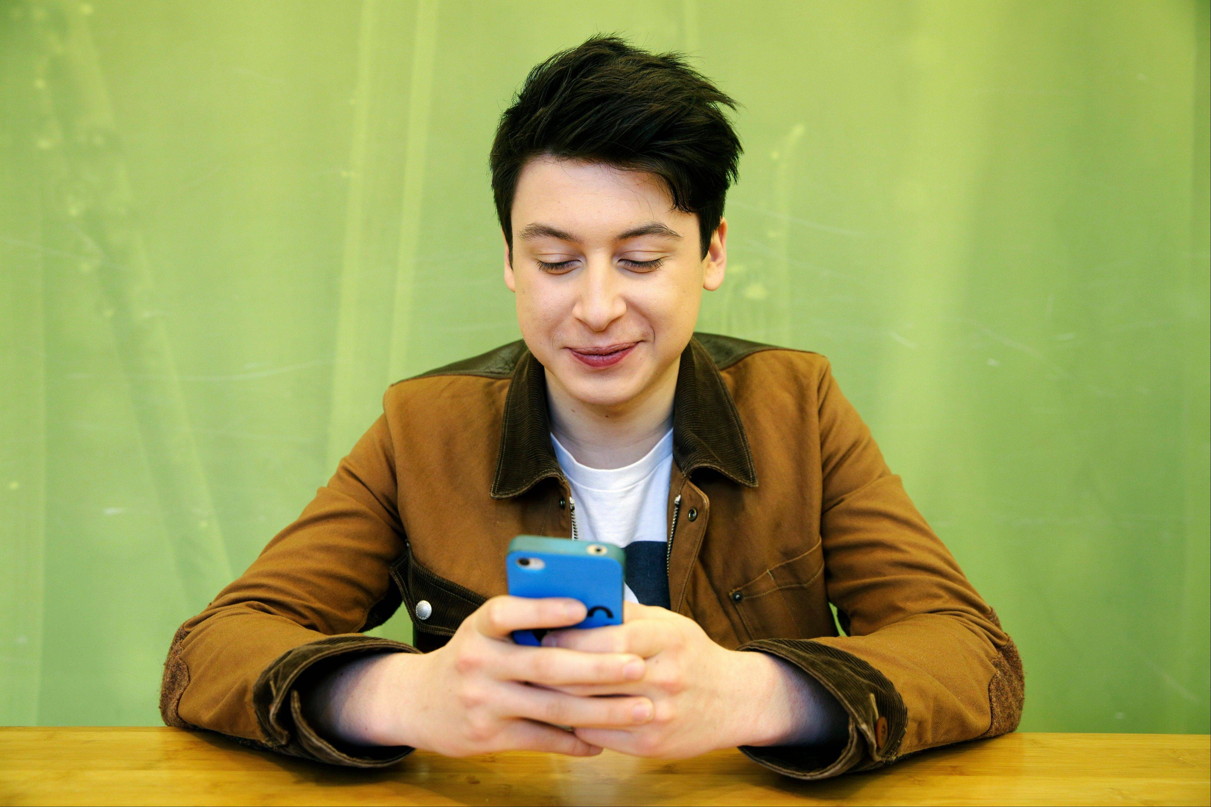 Yahoo! bought the Summly app from 17-year-old Nick D�Aloisio for $30 million.