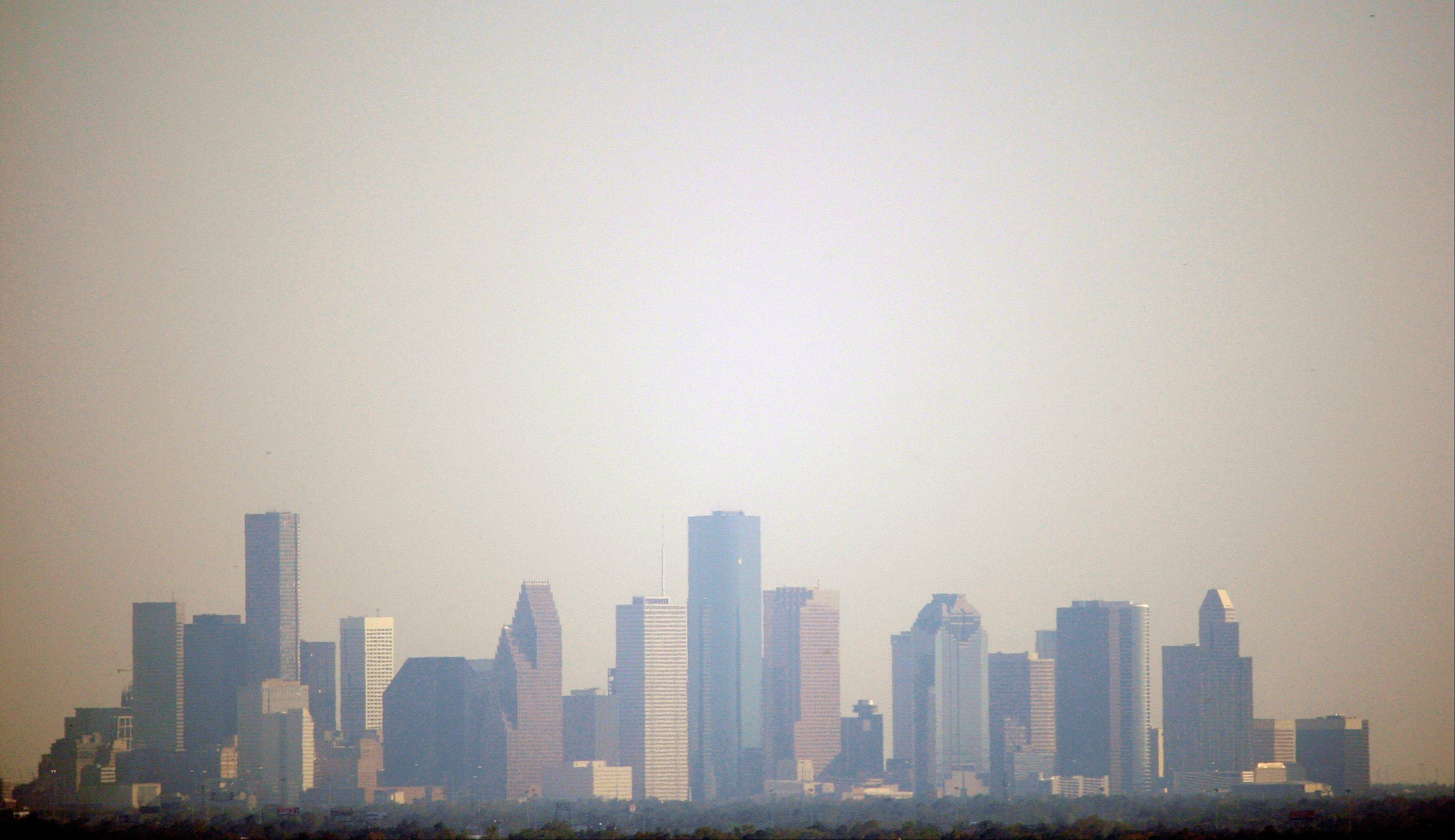 Houston residents now can have in their pocket the answer to whether ozone levels in the city are too high for their asthmatic child to play soccer. A new app available for iPhones and Android smartphones collects data from 74 air and wind monitors throughout the Houston area, giving residents nearly real-time data on smog.
