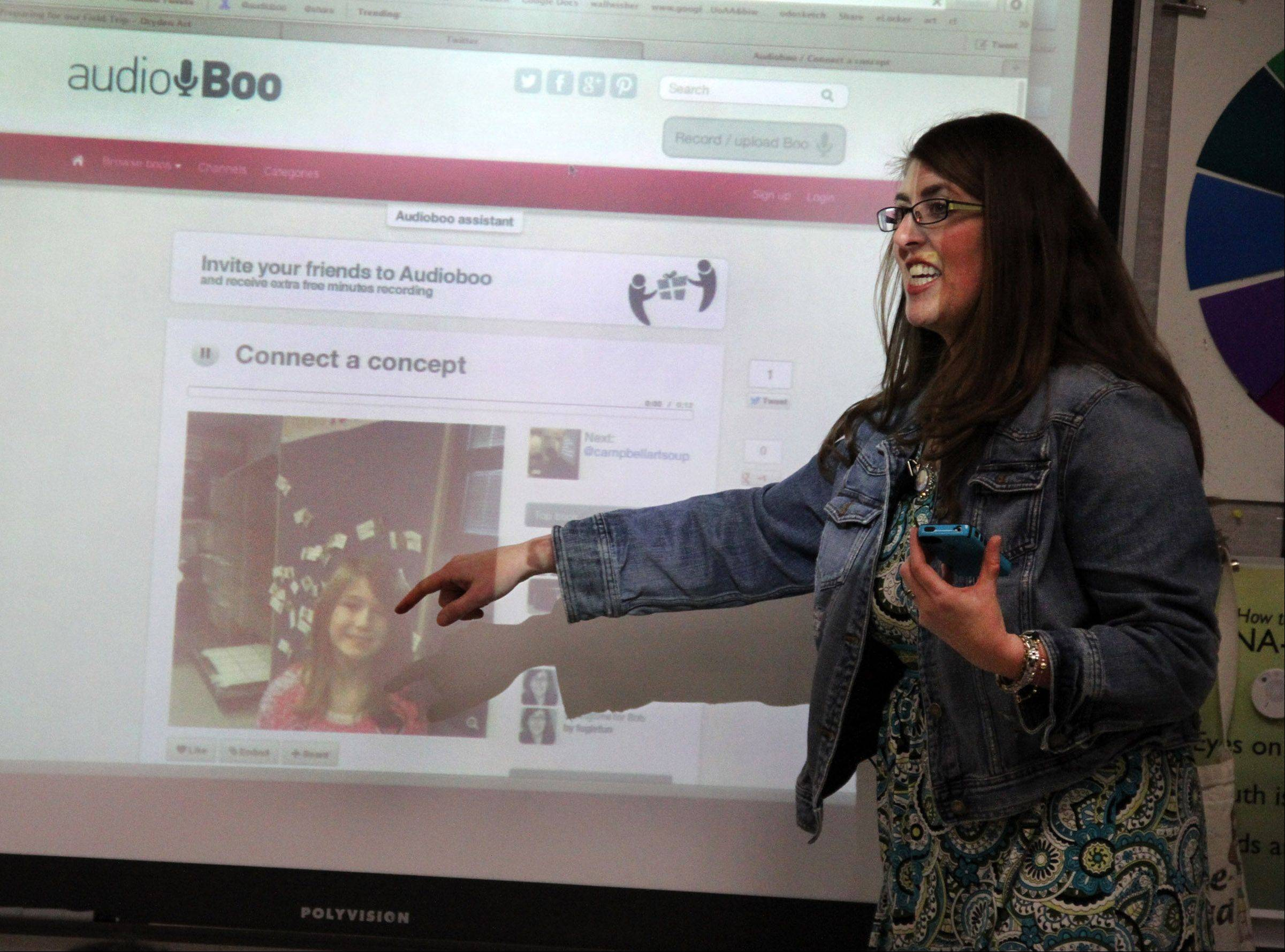 Tricia Fuglestad demonstrates how she used the Audioboo app to post the photo and audio of Grace Terry.