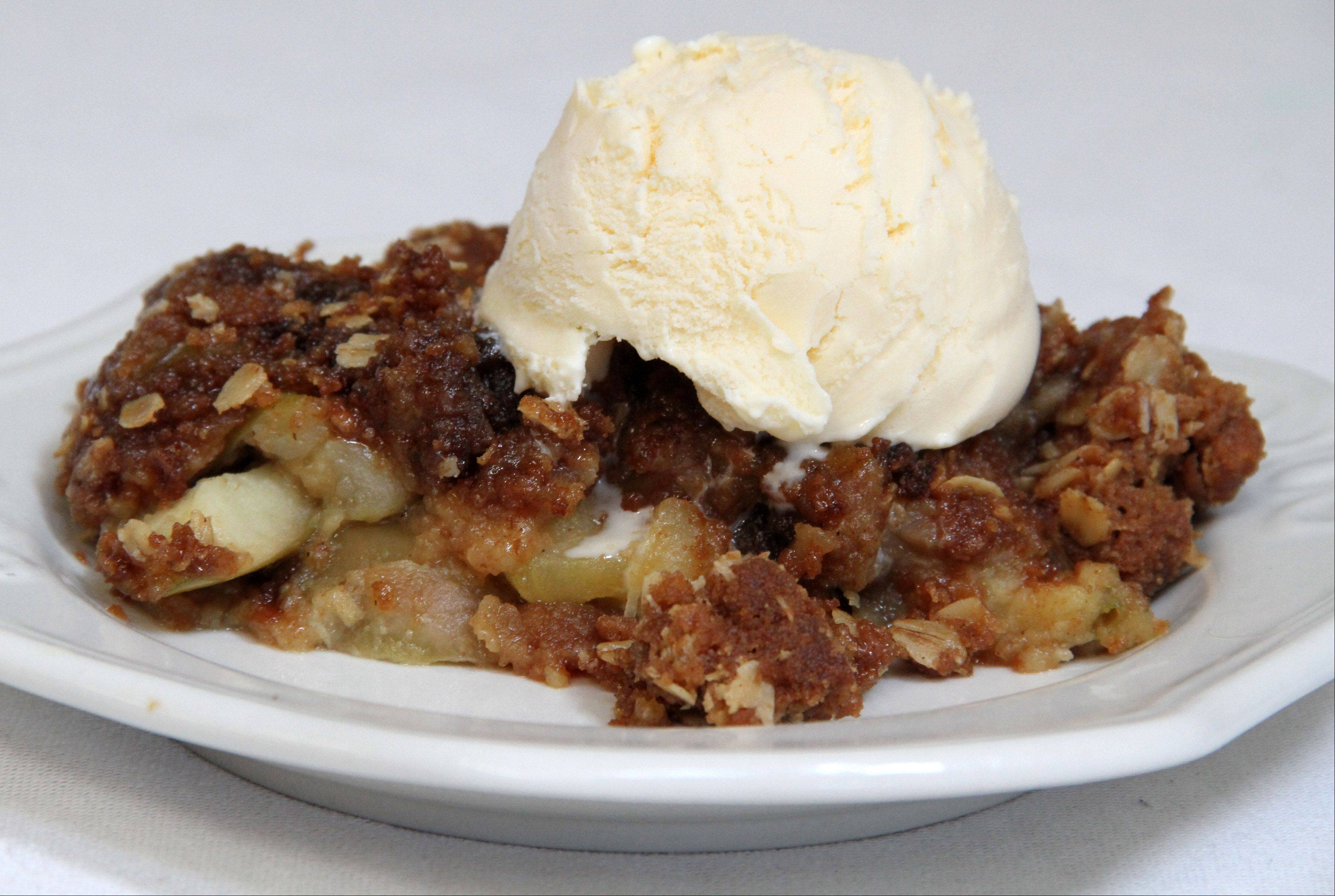 Cheryl Moeller�s crumble �bakes� in a slow cooker. She likes it with apples or rhubarb.