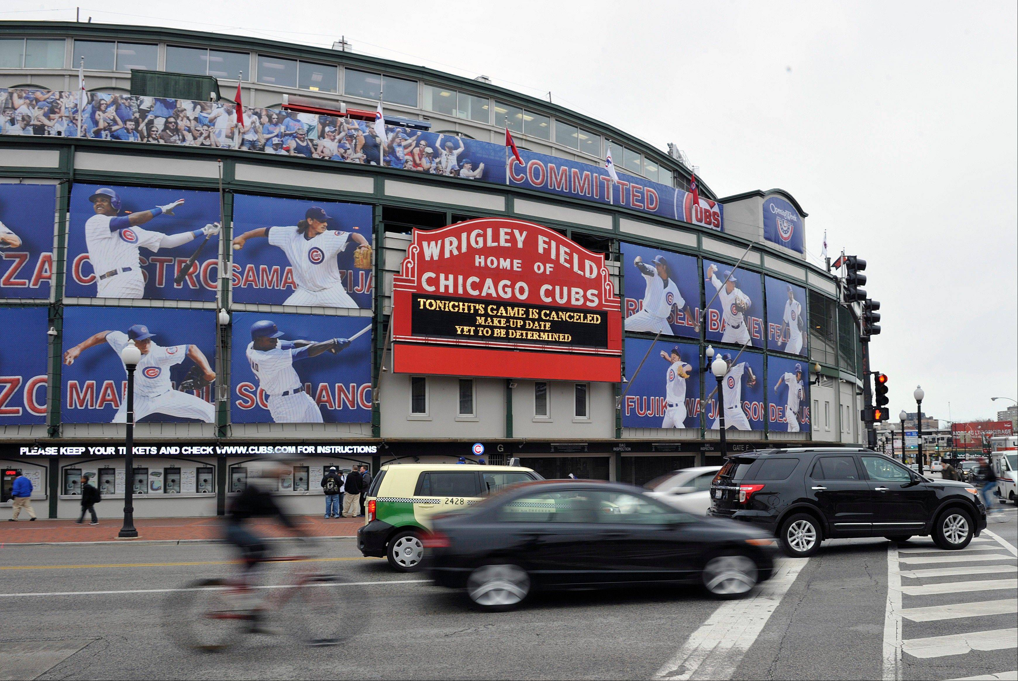 City, Cubs push $500 million Wrigley renovation